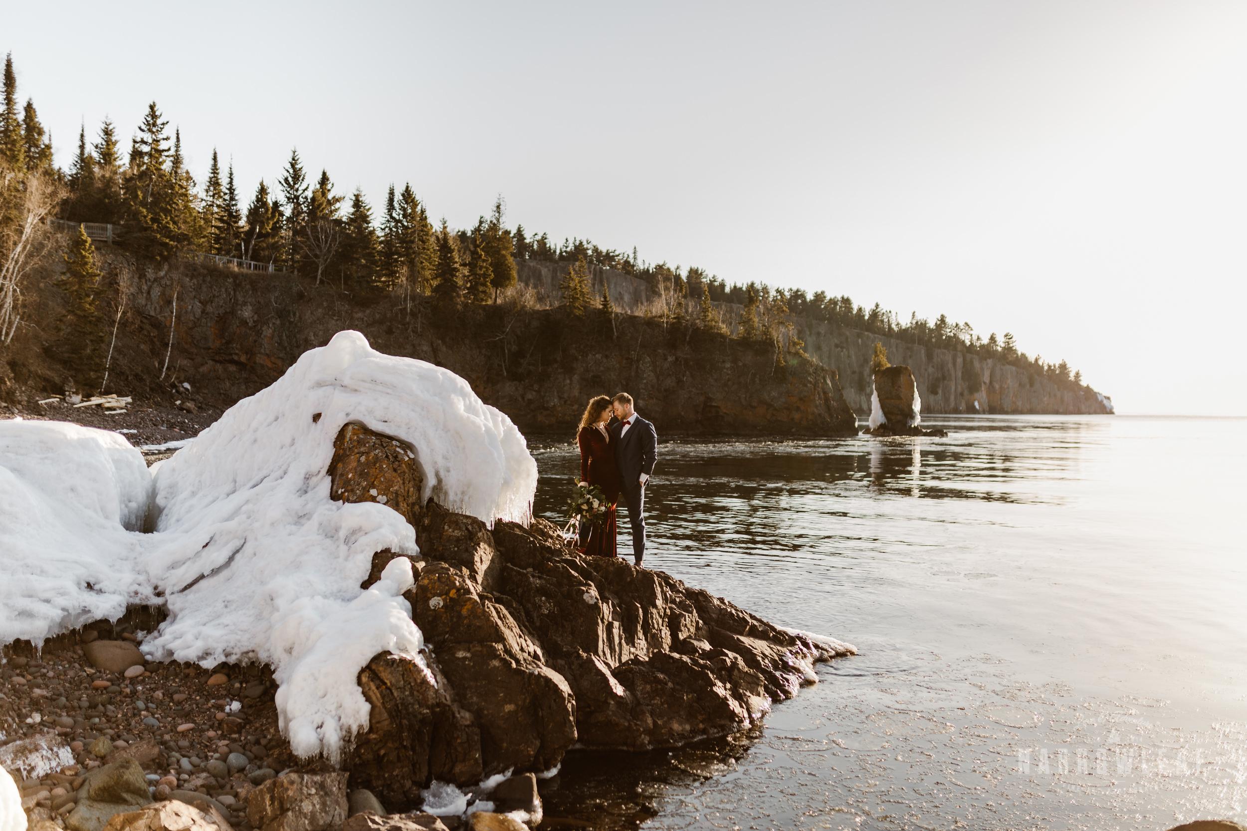 winter-adventure-elopement-tettegouche-state-park-minnesota-Narrowleaf_Love_and_Adventure_Photography-8569.jpg