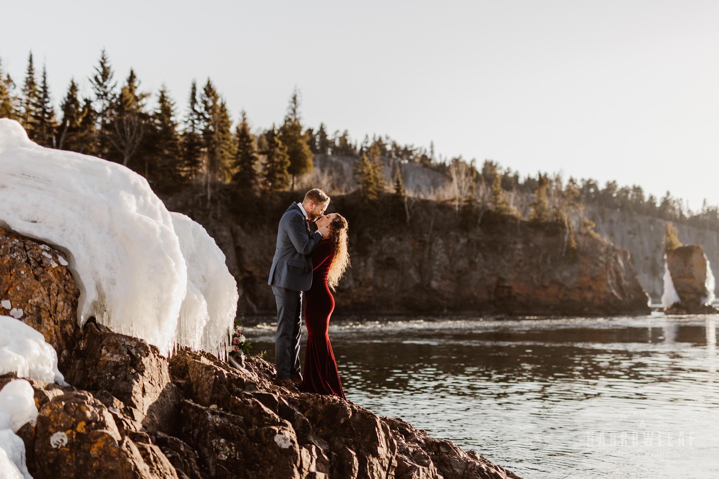 winter-adventure-elopement-tettegouche-state-park-minnesota-Narrowleaf_Love_and_Adventure_Photography-8629.jpg