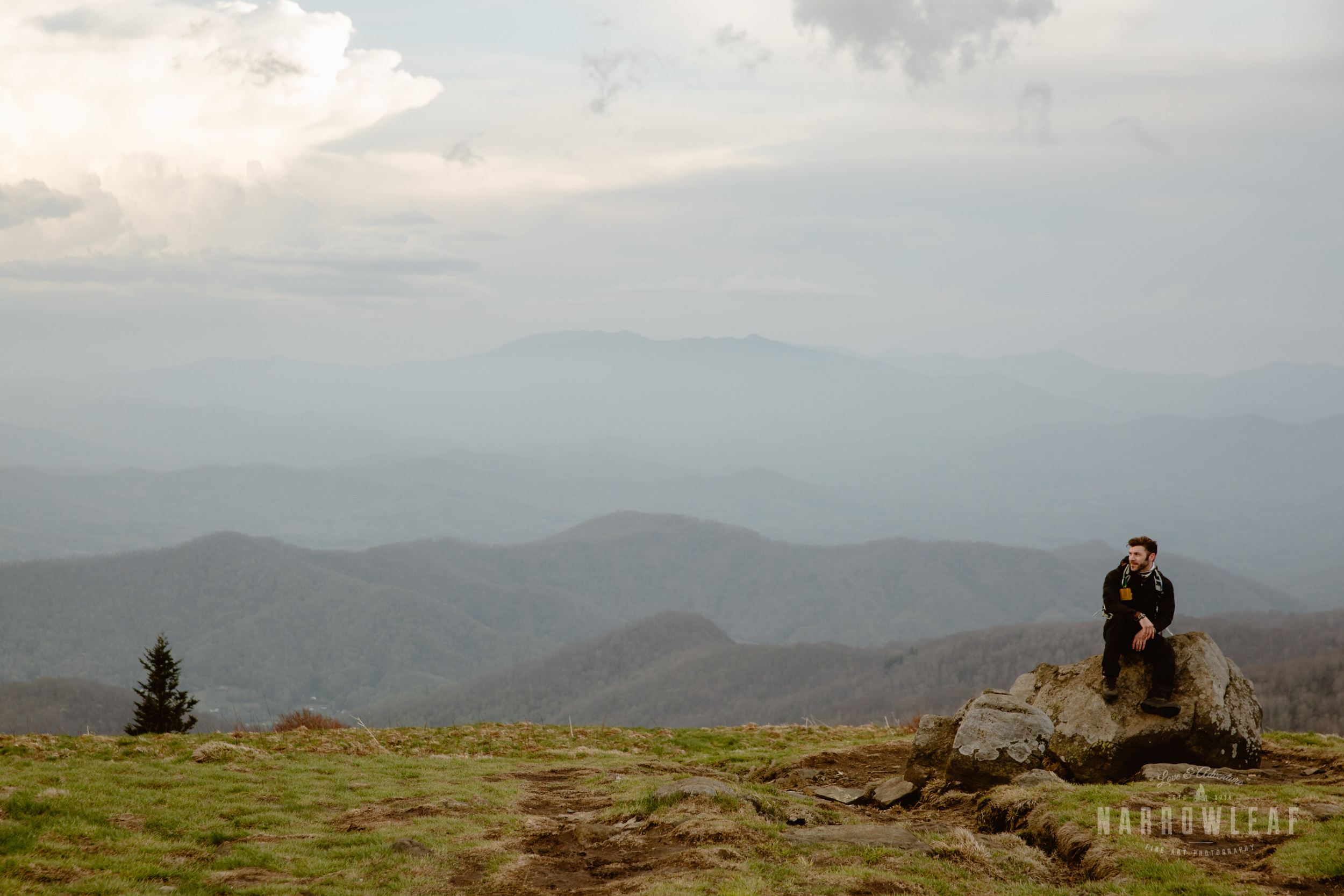 Hiking-Big-Bald-Mountain-Appalachian-Trail-in-Tennessee-Narrowleaf_Love_and_Adventure_Photography-3304.jpg