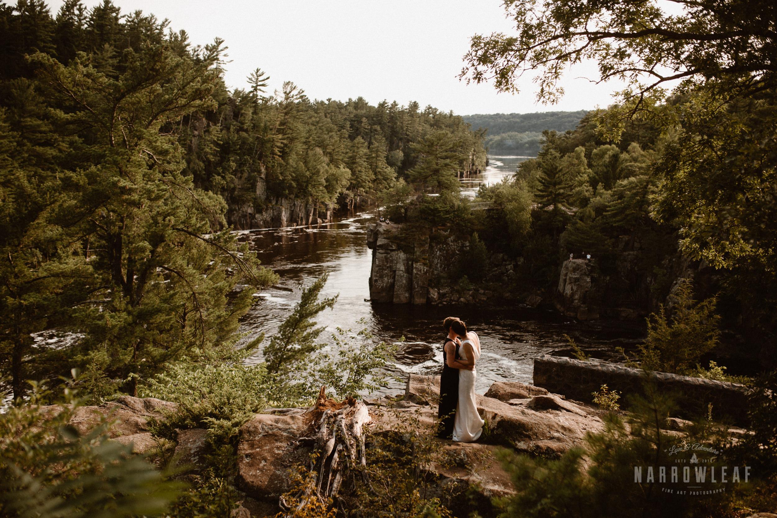 Interstate-Park-Taylors-Falls-Minnesota-Elopement-Photographer-Narrowleaf_Love_and_Adventure_Photography-3587.jpg