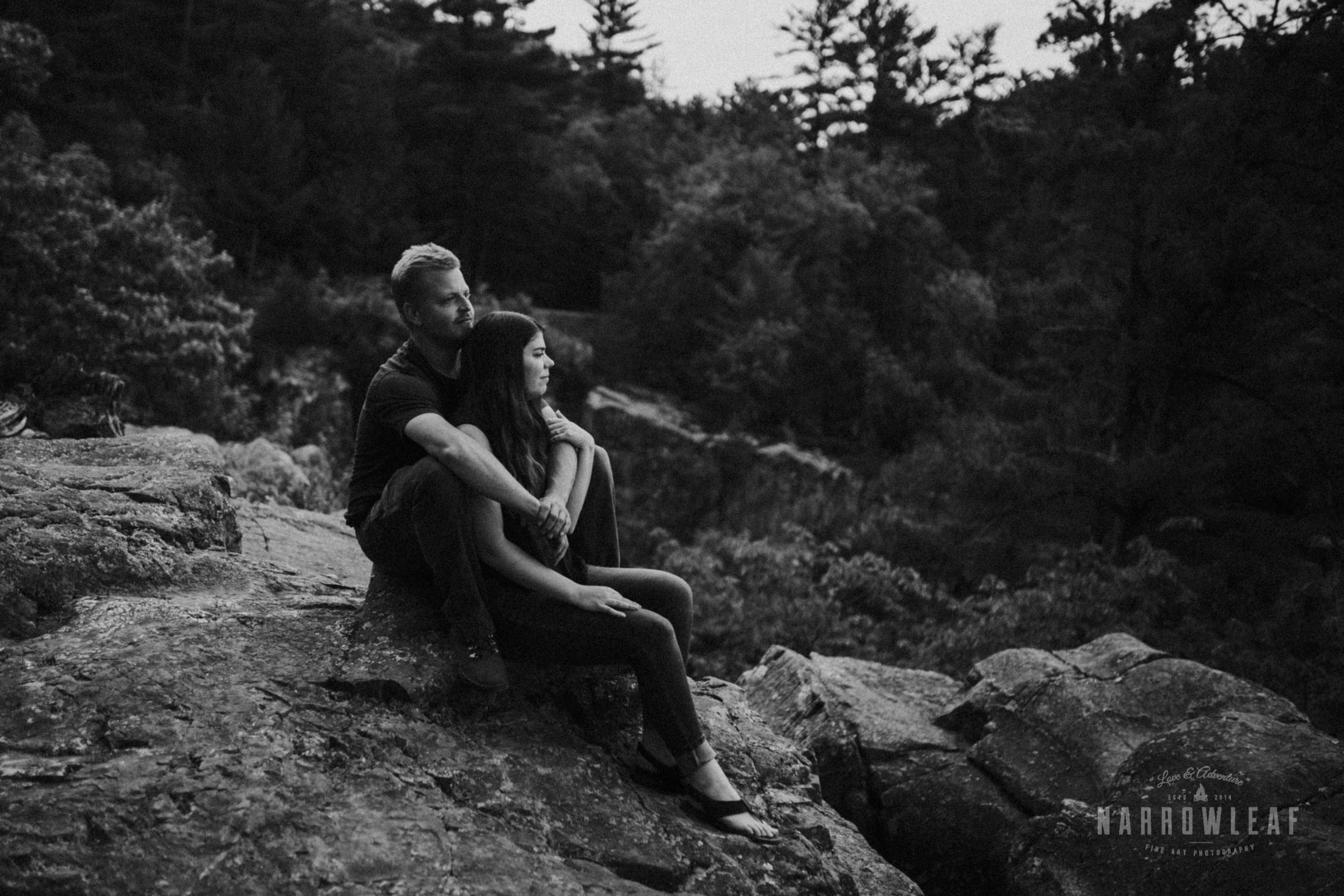 moody-engagement-hiking-photographey-Narrowleaf_Love_and_Adventure_Photography-1674.jpg
