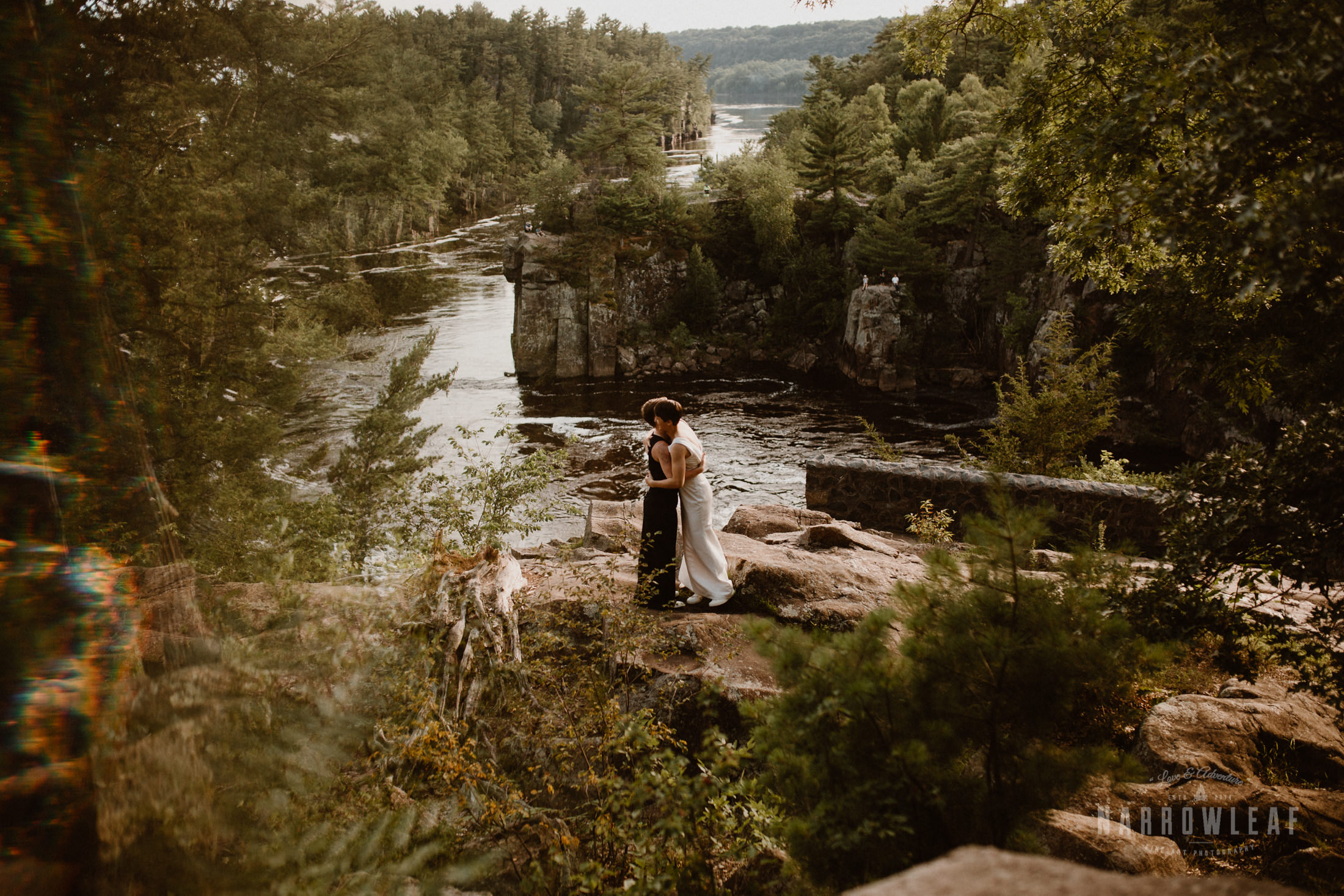 wisconsin-elopement-photographer-Narrowleaf_Love_and_Adventure_Photography-3561.jpg