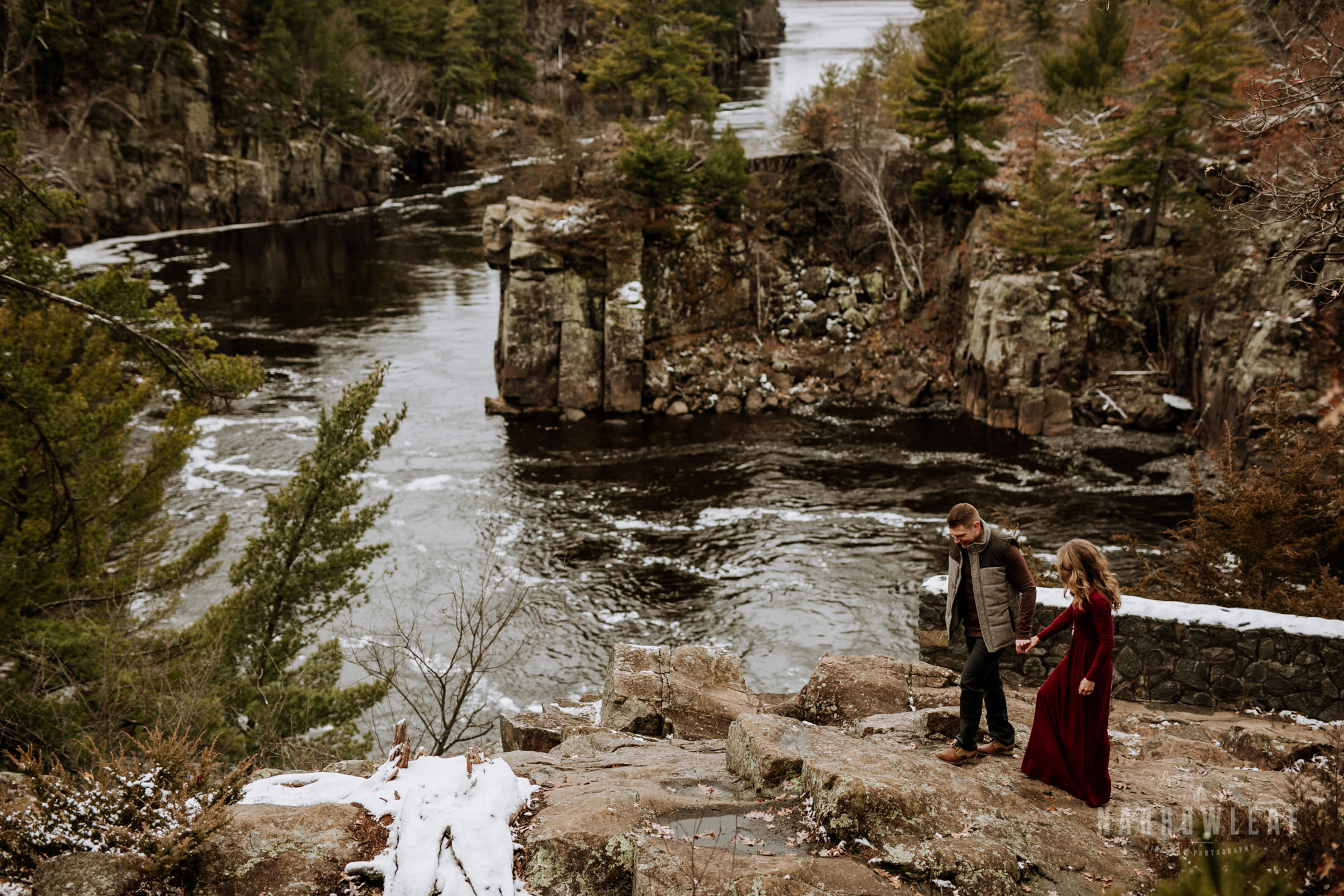 wisconsin-winter-adventure-engagement-interstate-park-bluffs-Narrowleaf_Love_and_Adventure_Photography-1590.jpg