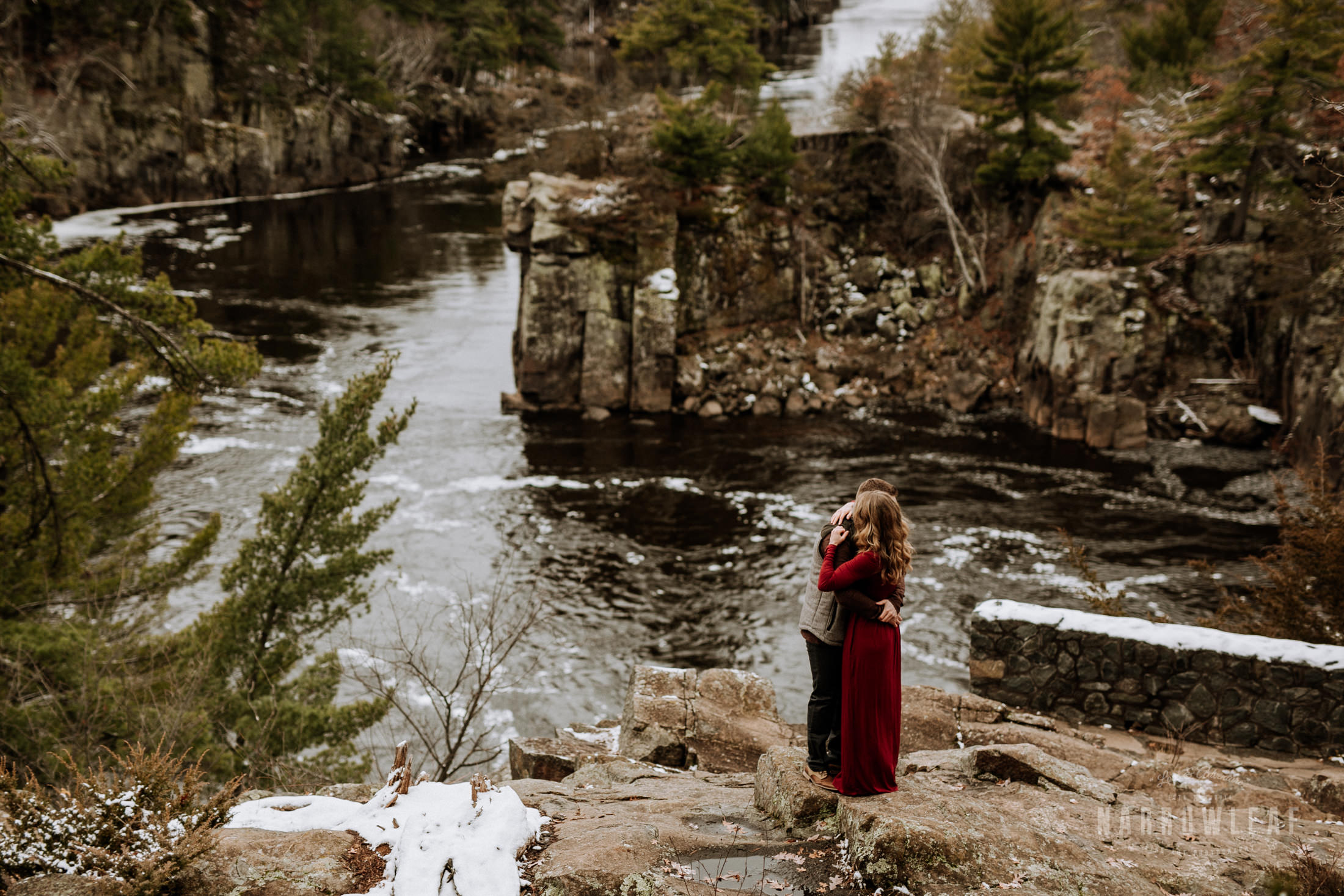 wisconsin-winter-adventure-engagement-interstate-park-bluffs-Narrowleaf_Love_and_Adventure_Photography-1606.jpg