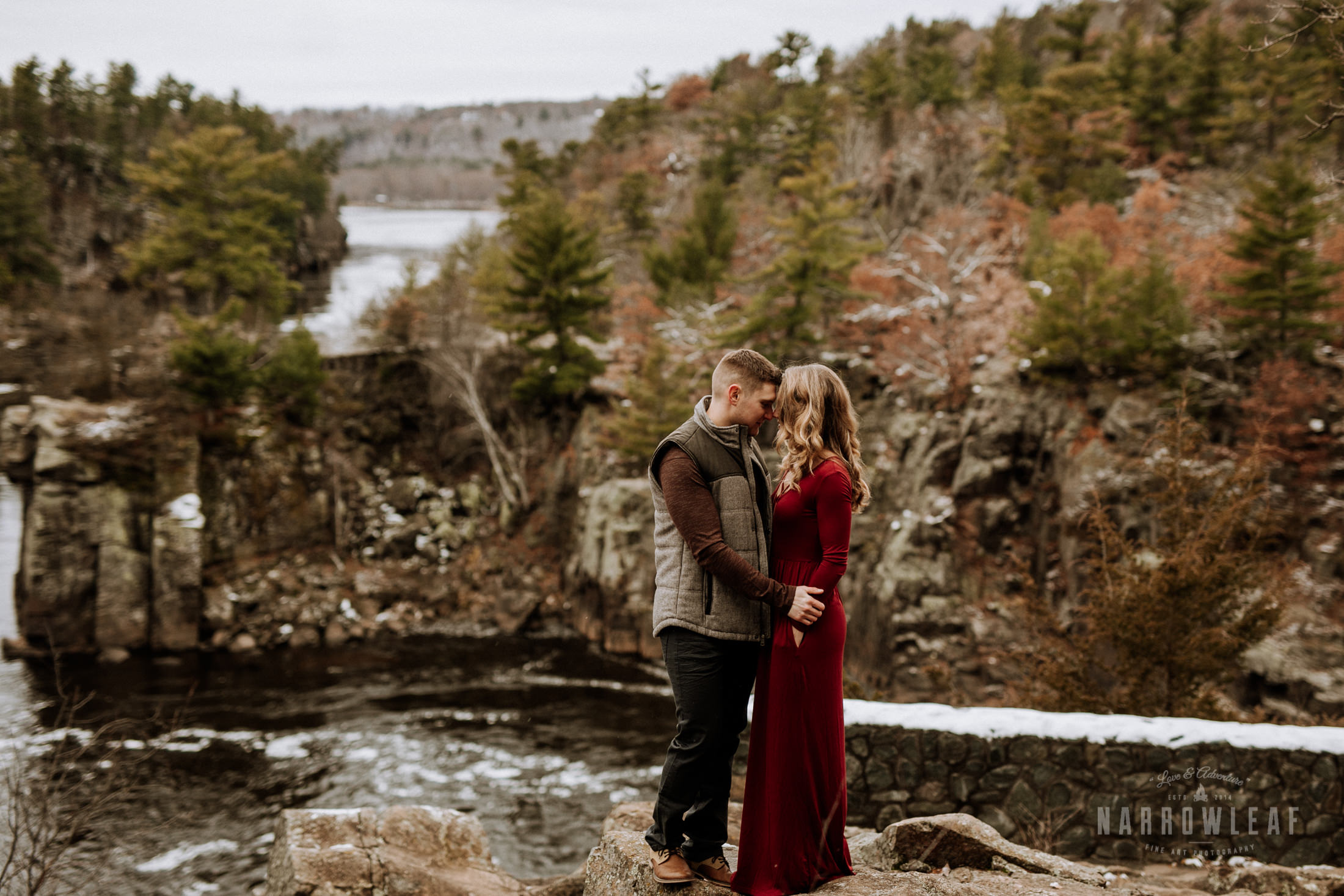 wisconsin-winter-adventure-engagement-interstate-park-bluffs-Narrowleaf_Love_and_Adventure_Photography-1620.jpg