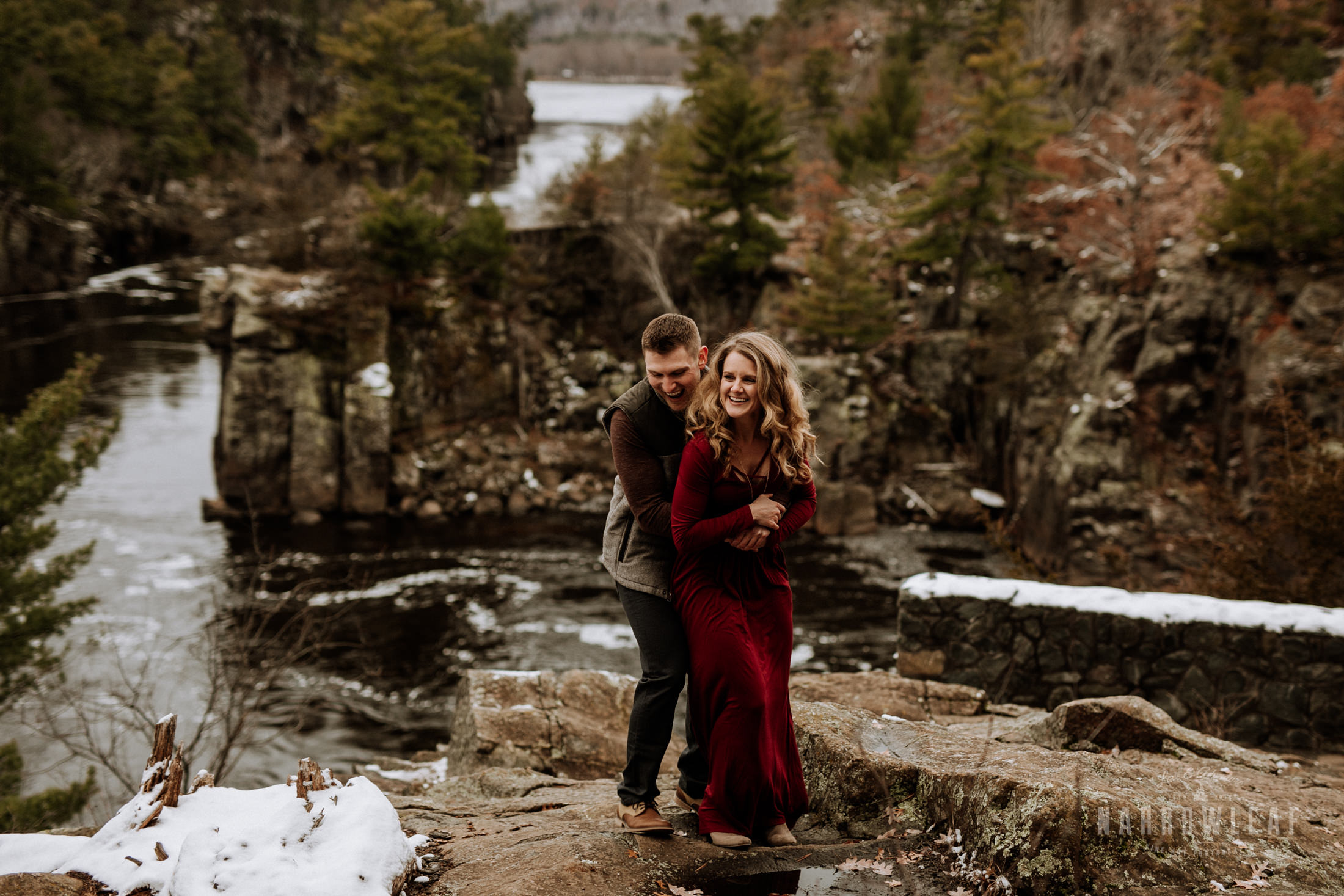 wisconsin-winter-adventure-engagement-interstate-park-bluffs-Narrowleaf_Love_and_Adventure_Photography-1656.jpg