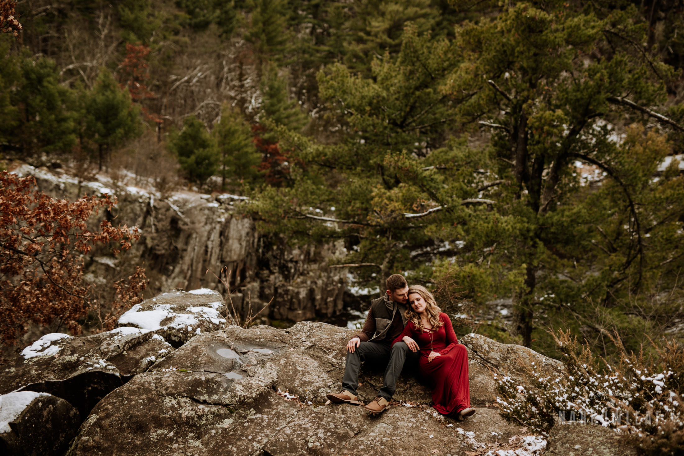 wisconsin-winter-adventure-engagement-interstate-park-bluffs-Narrowleaf_Love_and_Adventure_Photography-1681.jpg