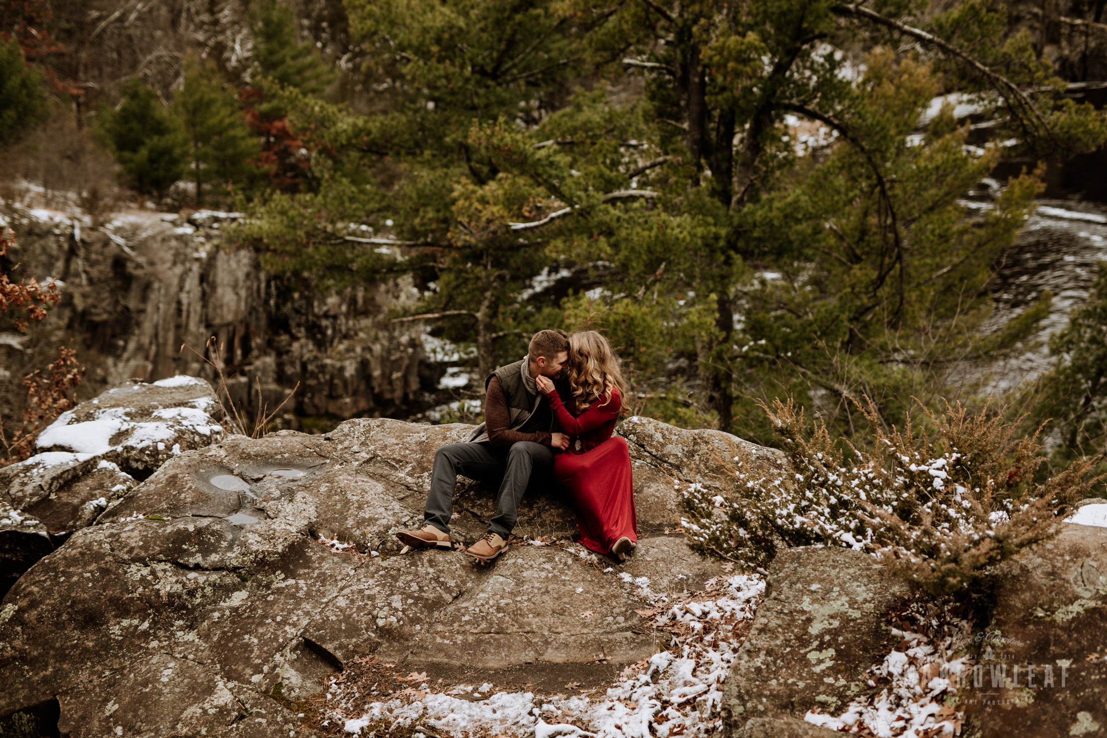 wisconsin-winter-adventure-engagement-interstate-park-bluffs-Narrowleaf_Love_and_Adventure_Photography-1696.jpg