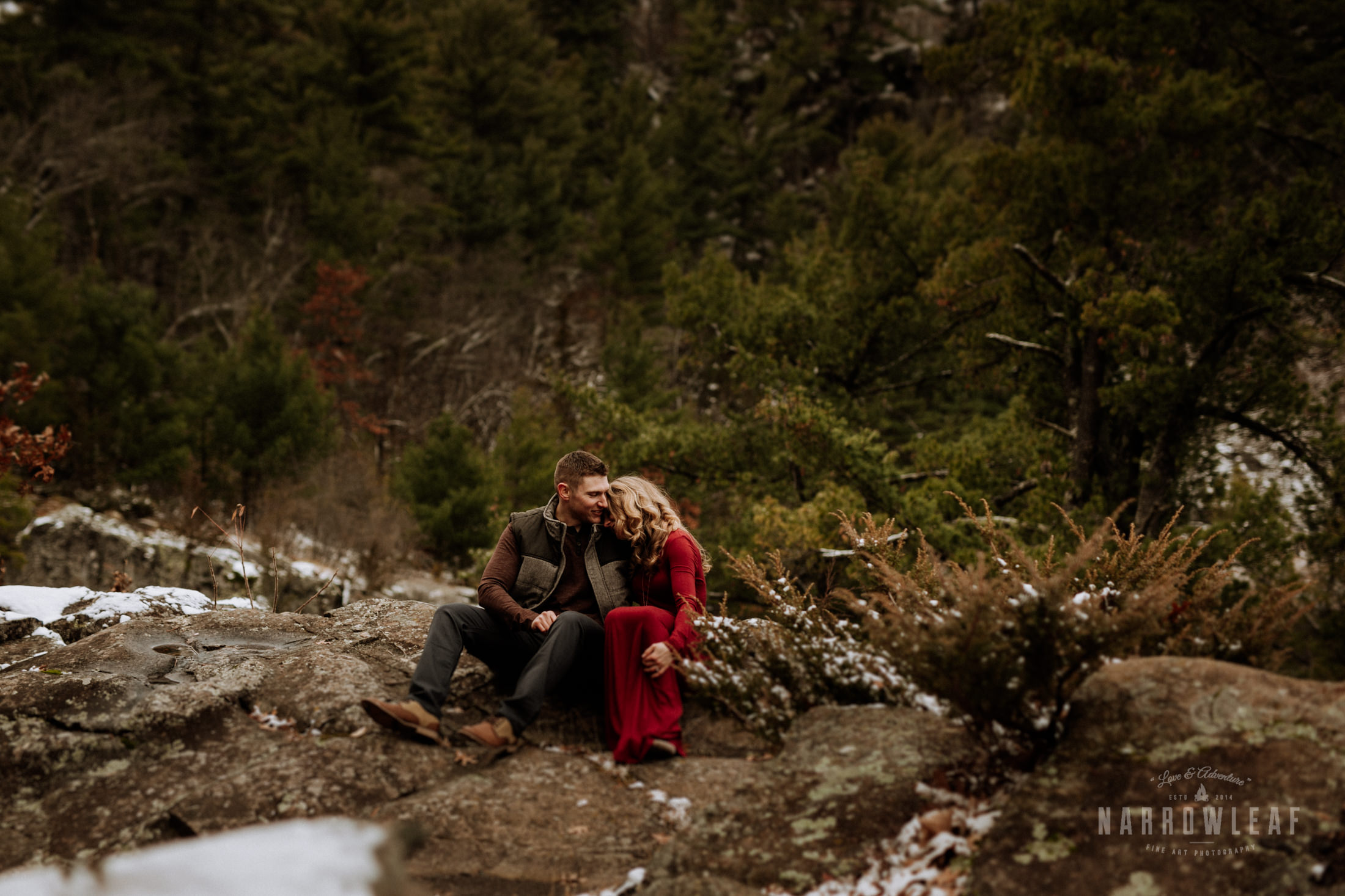 wisconsin-winter-adventure-engagement-interstate-park-bluffs-Narrowleaf_Love_and_Adventure_Photography-1706.jpg