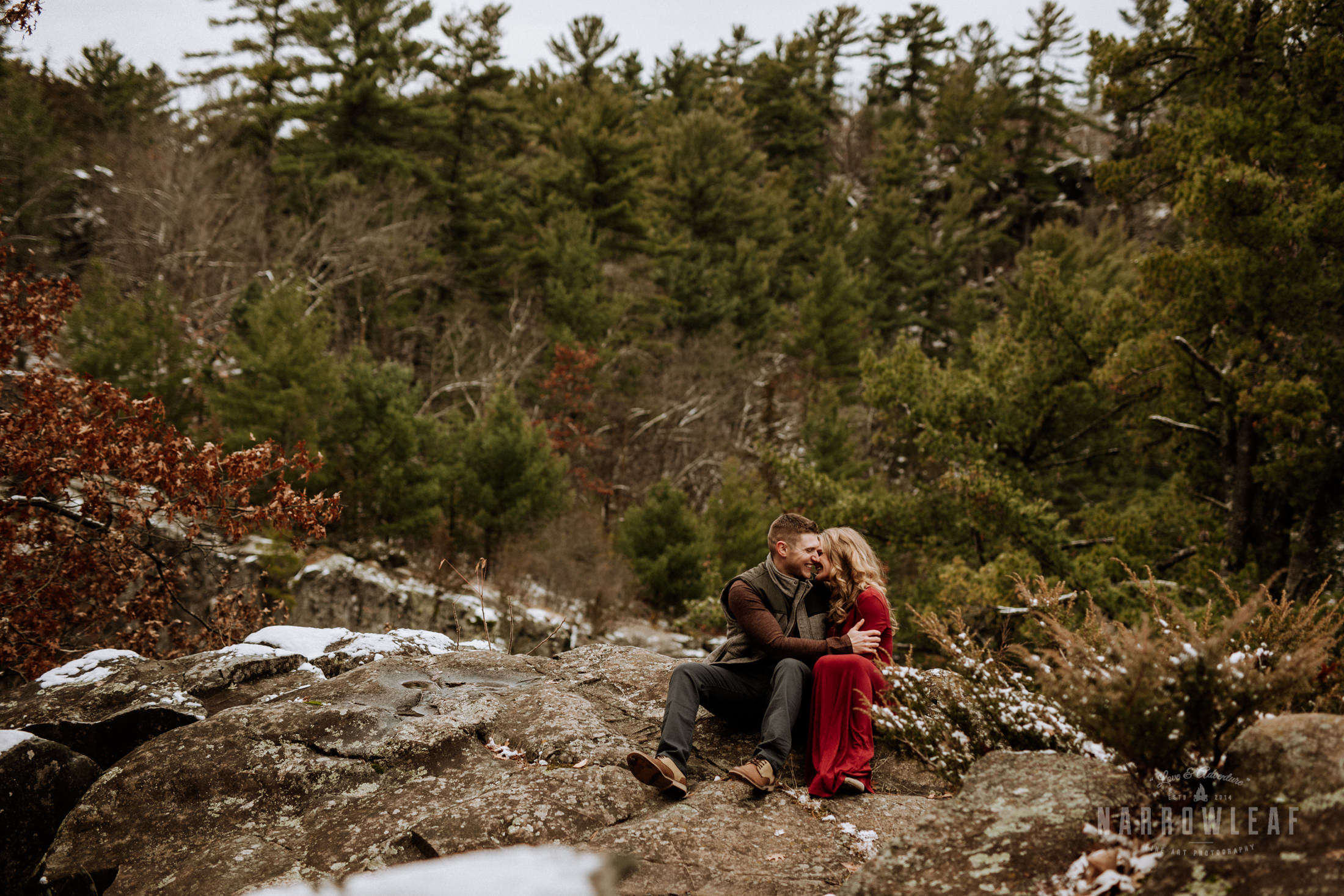 wisconsin-winter-adventure-engagement-interstate-park-bluffs-Narrowleaf_Love_and_Adventure_Photography-1716.jpg