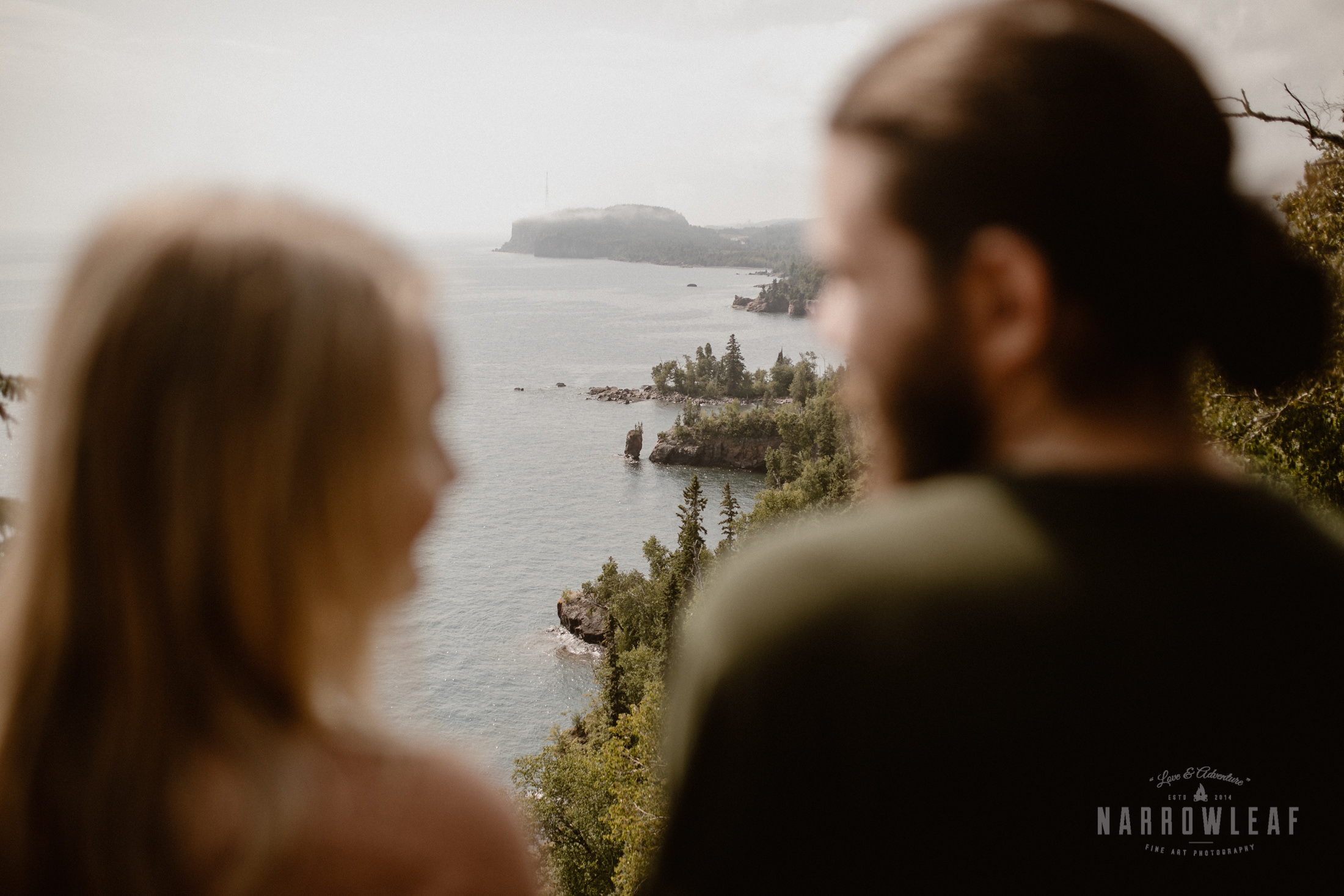 Minnesota-Hiking-Engagement-Photographer-Narrowleaf_Love_and_Adventure_Photography-Tettegouche-State-Park-5996.jpg