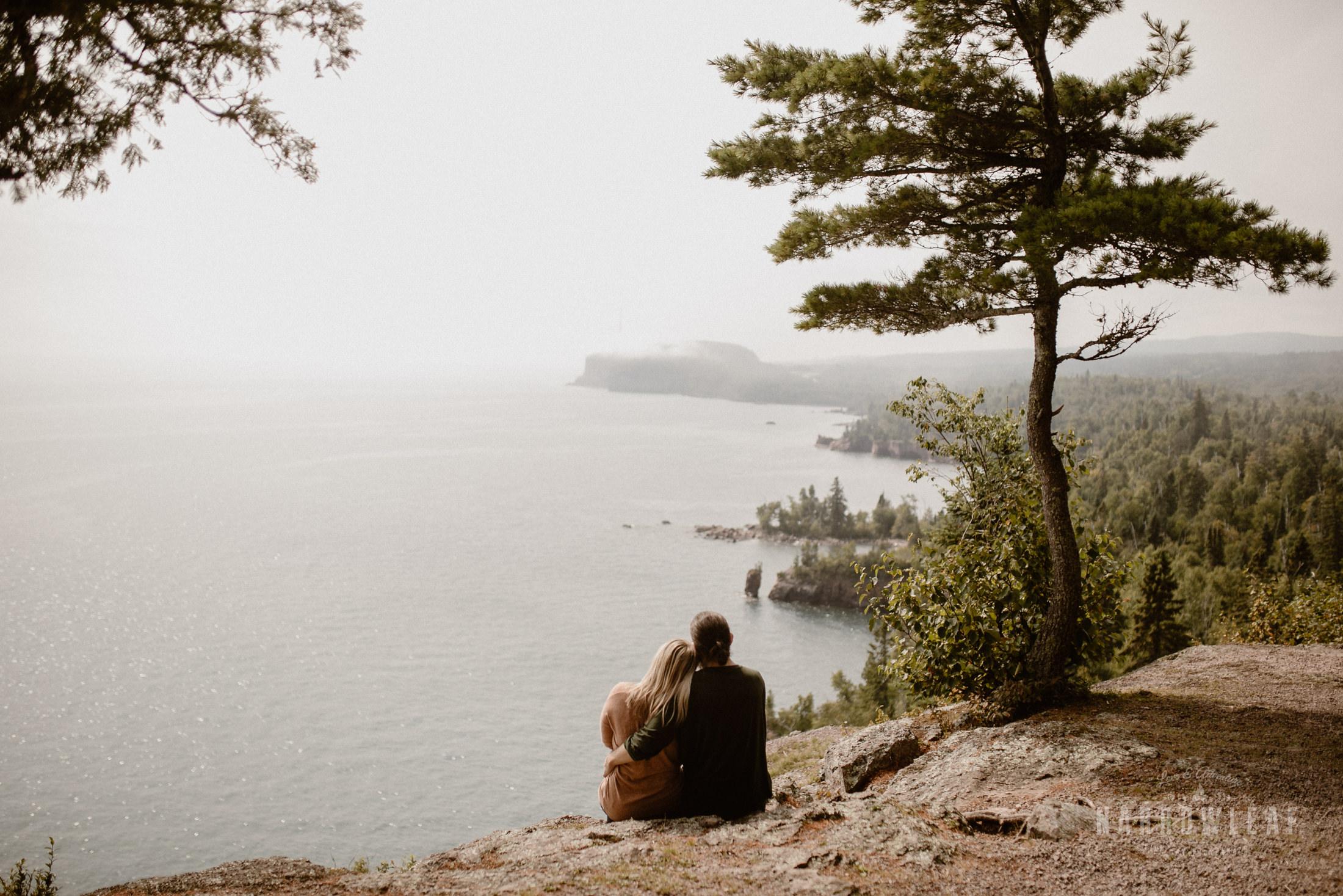 Minnesota-Hiking-Engagement-Photographer-Narrowleaf_Love_and_Adventure_Photography-Tettegouche-State-Park-6118.jpg