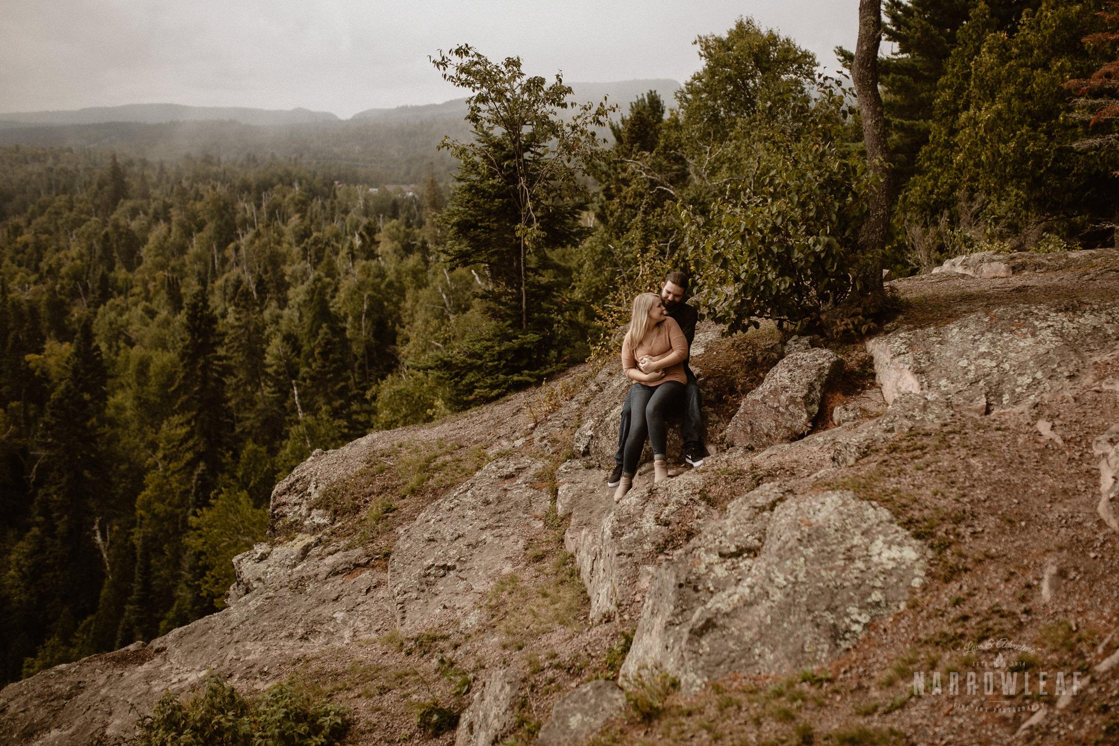Minnesota-Hiking-Engagement-Photographer-Narrowleaf_Love_and_Adventure_Photography-Tettegouche-State-Park-6167.jpg