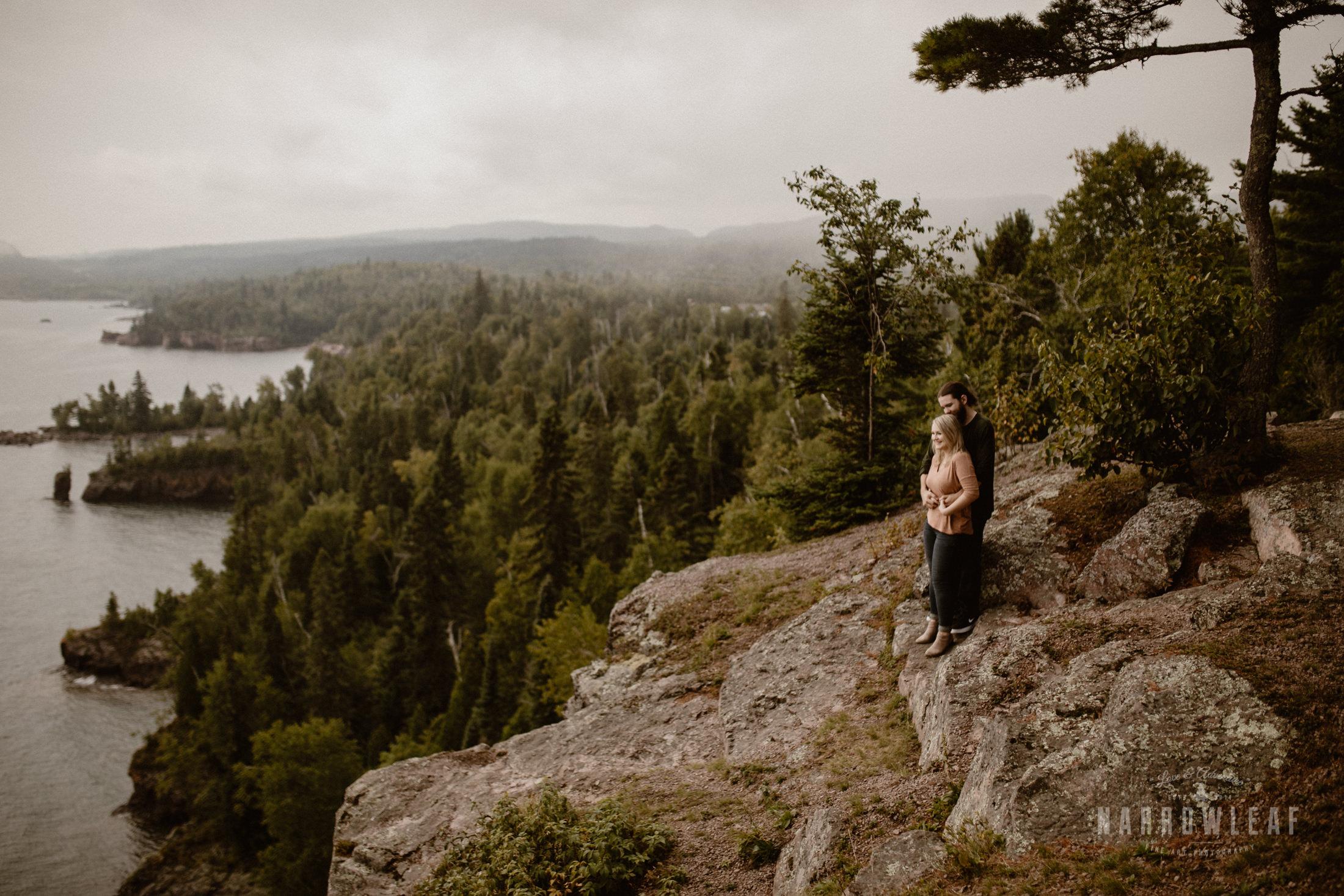 Minnesota-Hiking-Engagement-Photographer-Narrowleaf_Love_and_Adventure_Photography-Tettegouche-State-Park-6189.jpg