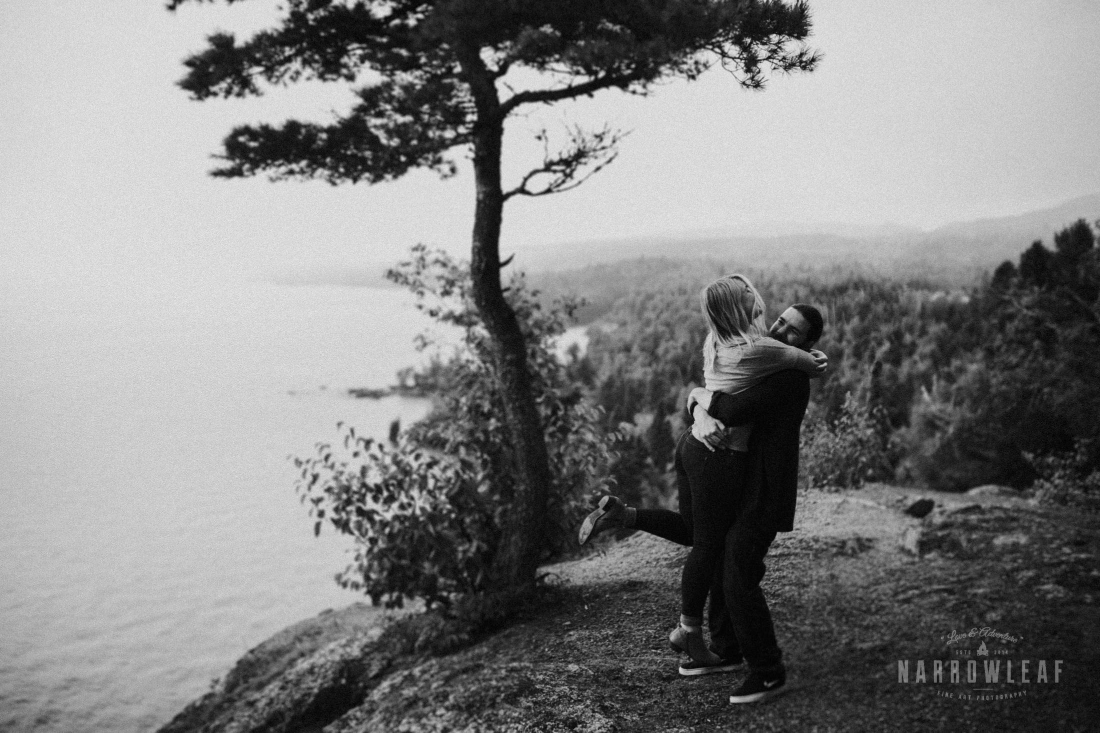 Minnesota-Hiking-Engagement-Photographer-Narrowleaf_Love_and_Adventure_Photography-Tettegouche-State-Park-6278.jpg