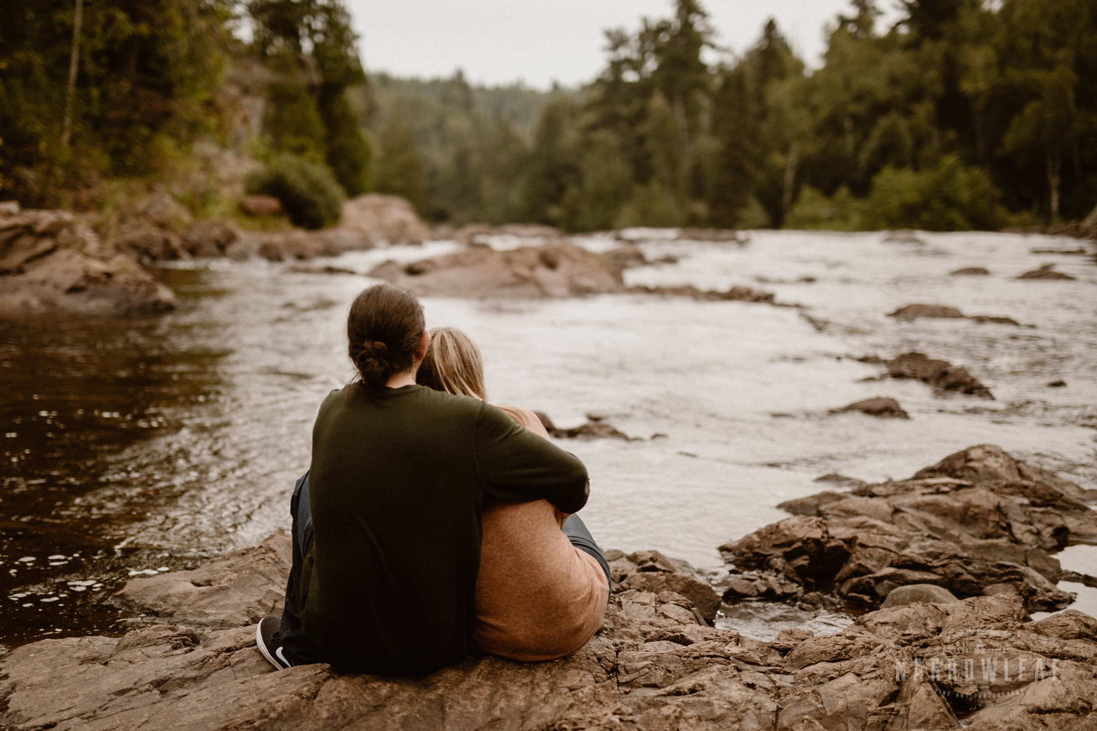 Minnesota-Hiking-Engagement-Photographer-Narrowleaf_Love_and_Adventure_Photography-Tettegouche-State-Park-6996.jpg