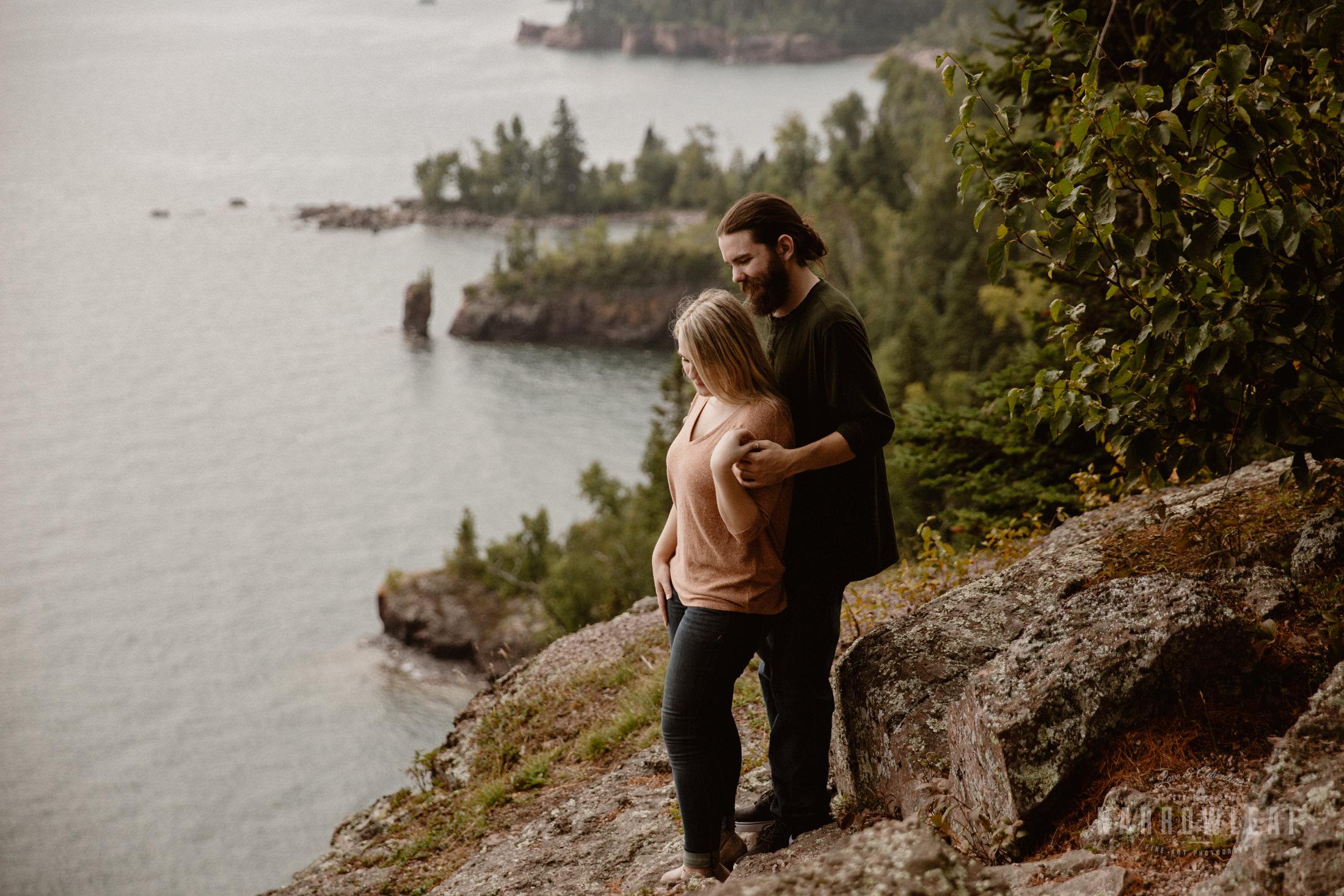 Minnesota-Hiking-Engagement-Photographer-Narrowleaf_Love_and_Adventure_Photography-Tettegouche-State-Park-7558.jpg