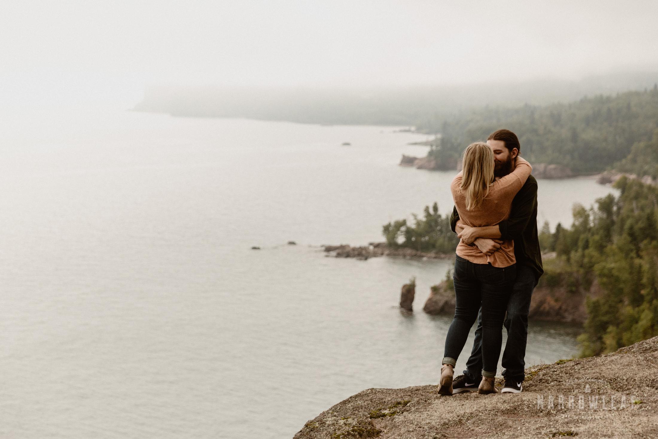 Minnesota-Hiking-Engagement-Photographer-Narrowleaf_Love_and_Adventure_Photography-Tettegouche-State-Park-7602.jpg
