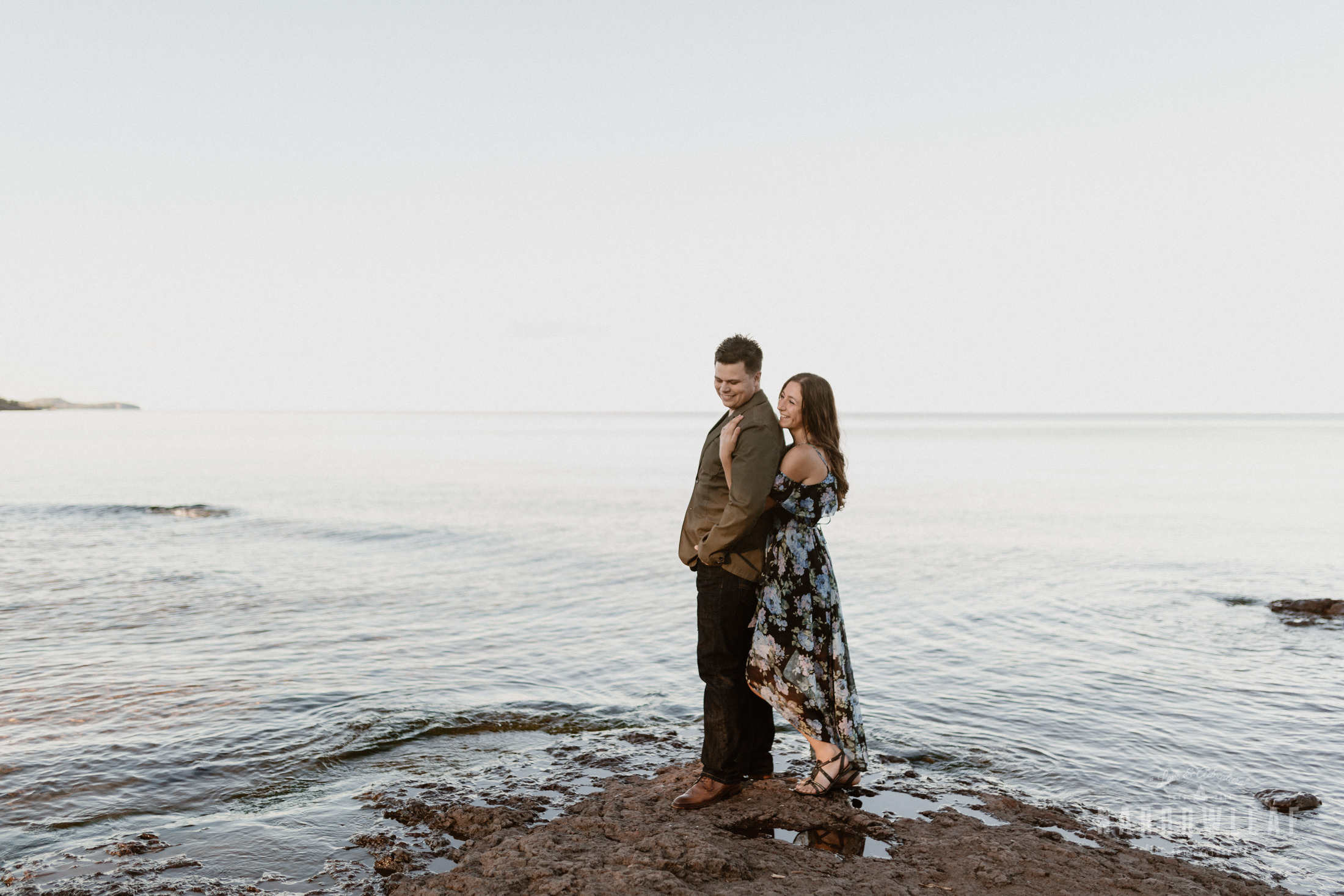 Minnesota-wedding-adventure-photographer-gooseberry-falls-Narrowleaf_Love_and_Adventure_Photography-2923.jpg