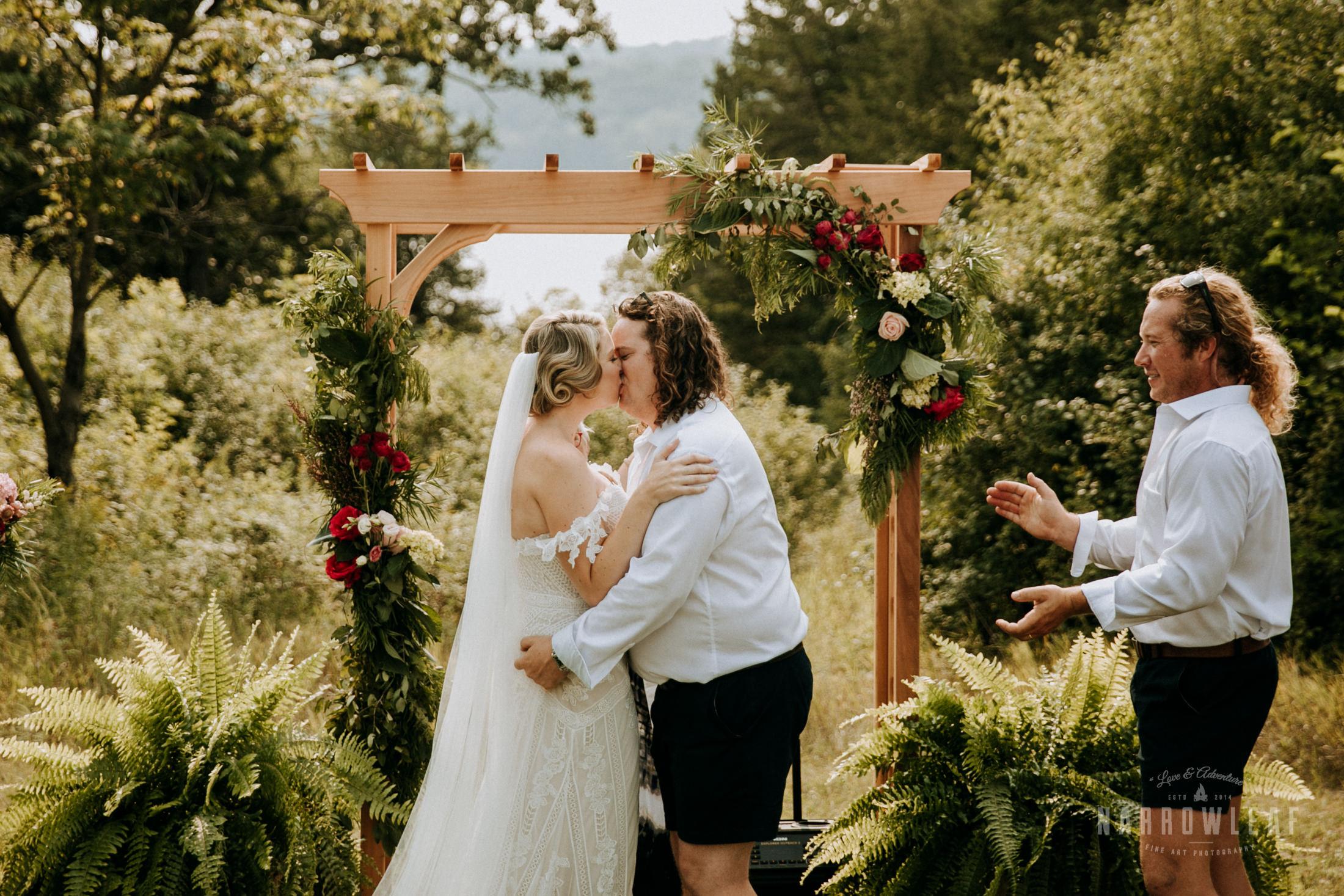 wisconsin-wedding-photographer-Narrowleaf_Love_and_Adventure_Photography-2450.jpg
