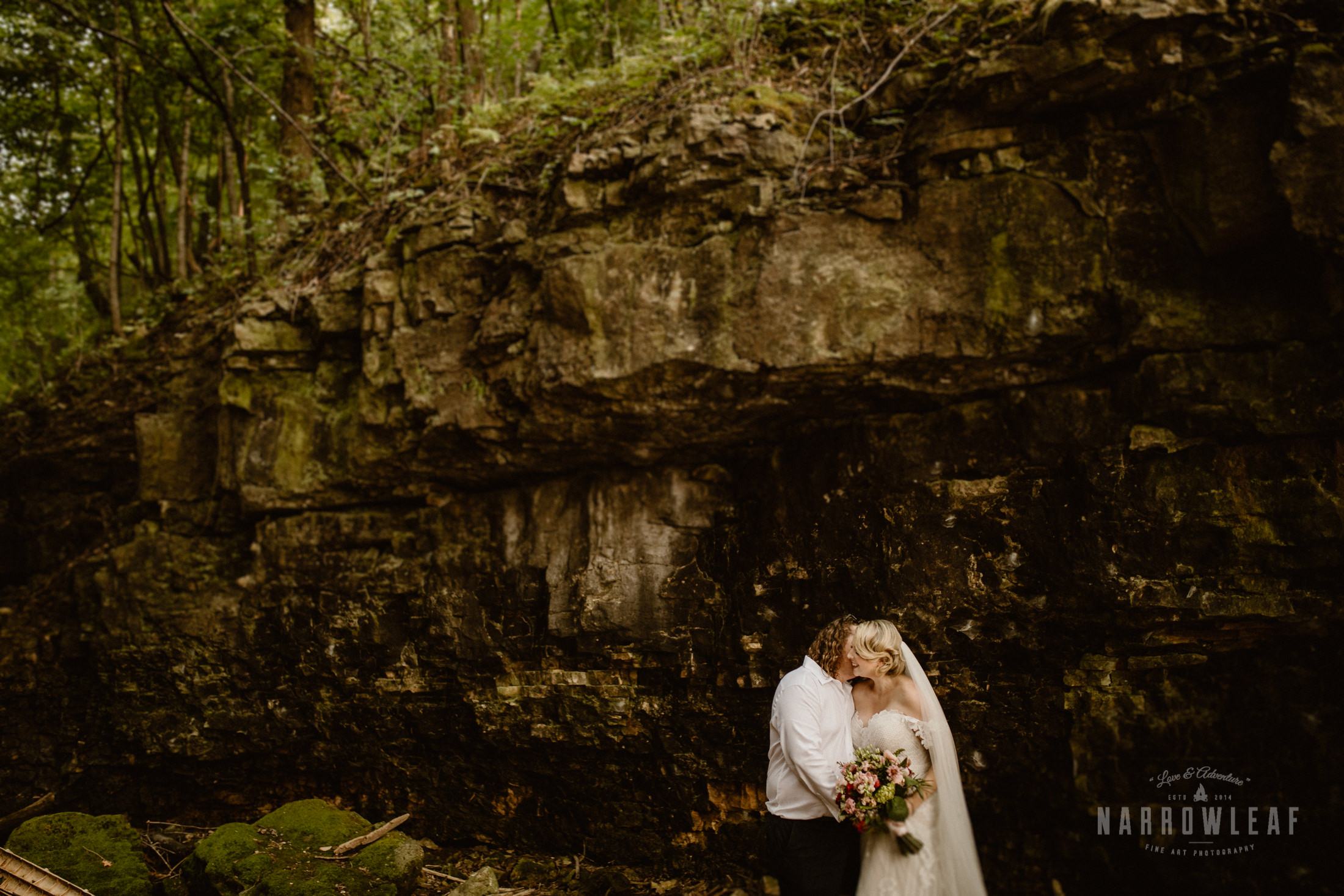wisconsin-wedding-photographer-Narrowleaf_Love_and_Adventure_Photography-2900.jpg