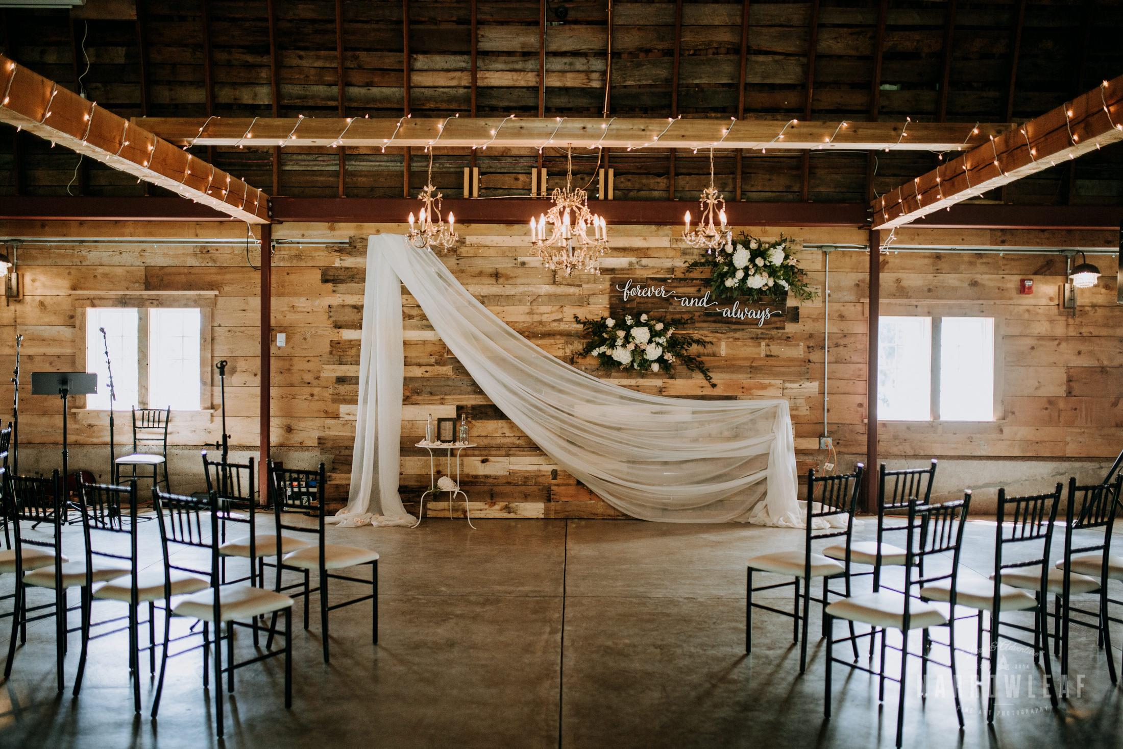 John-P-Furber-Farm-Minnesota-wedding-photographer-Narrowleaf_Love_and_Adventure_Photography-7640.jpg