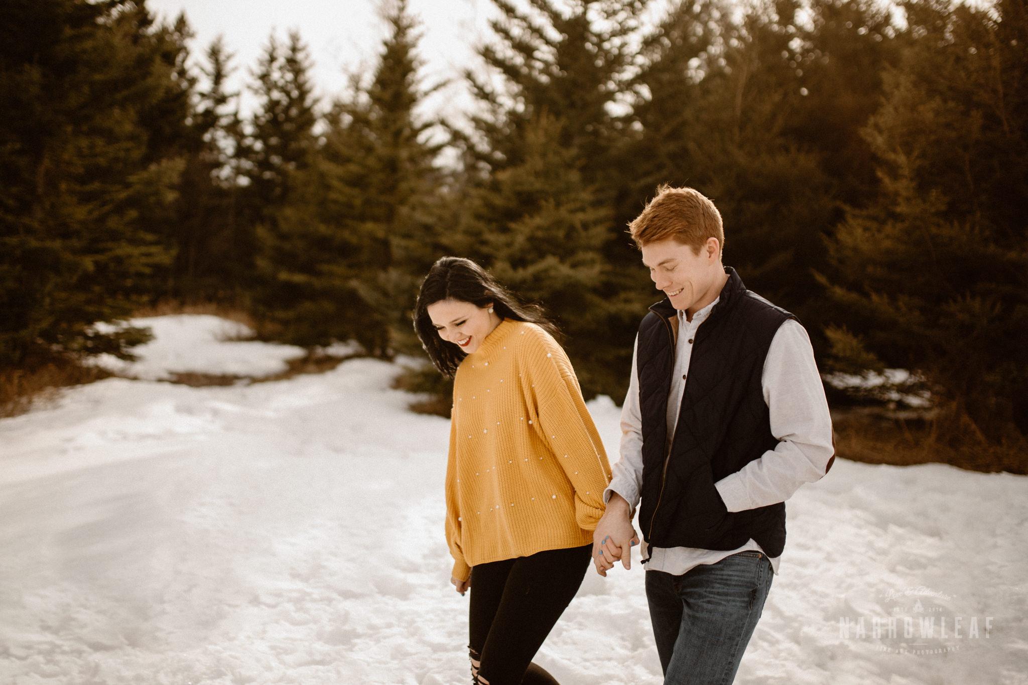 minnesota-winter-engagement-photos-Narrowleaf_Love_and_Adventure_Photography-9533.jpg