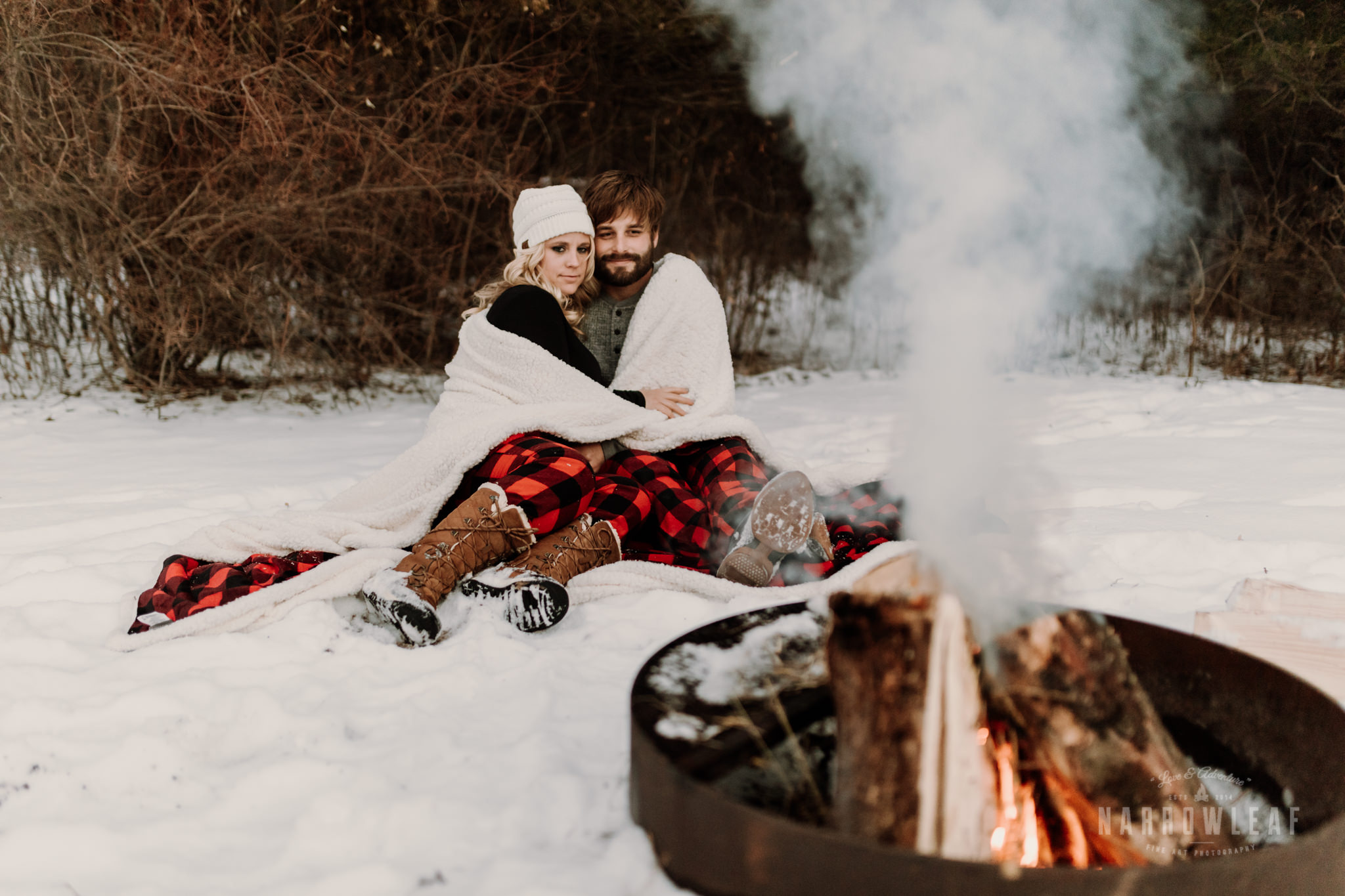 wisconsin-winter-bonfire-engagement-photography-Narrowleaf_Love_and_Adventure_Photography-372.jpg
