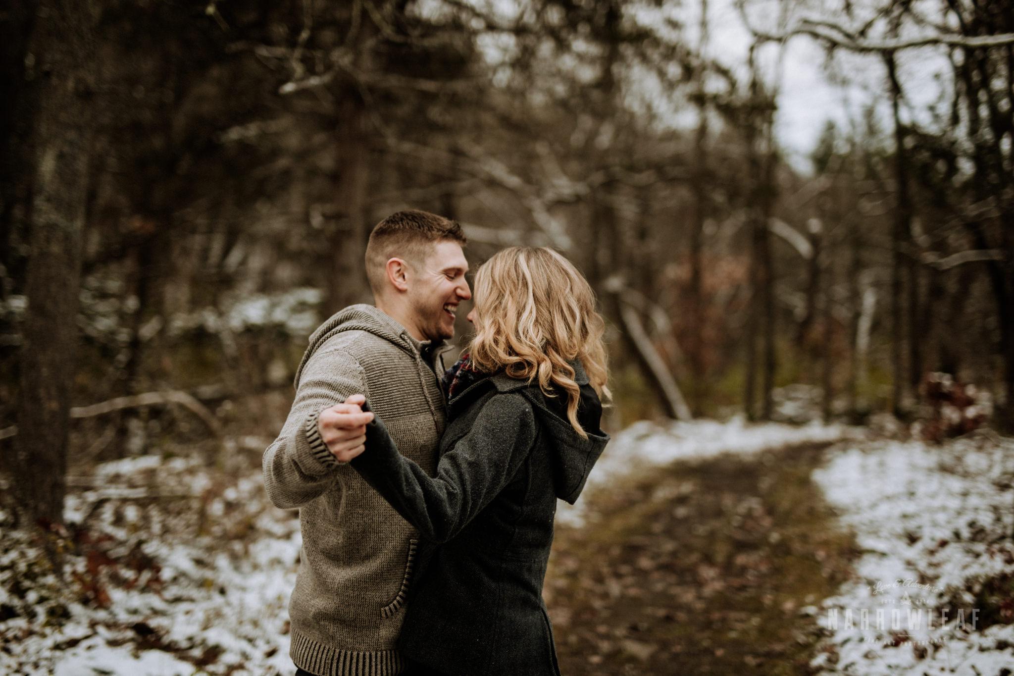 minnesota-winter-engagement-photos-Narrowleaf_Love_and_Adventure_Photography-1806.jpg