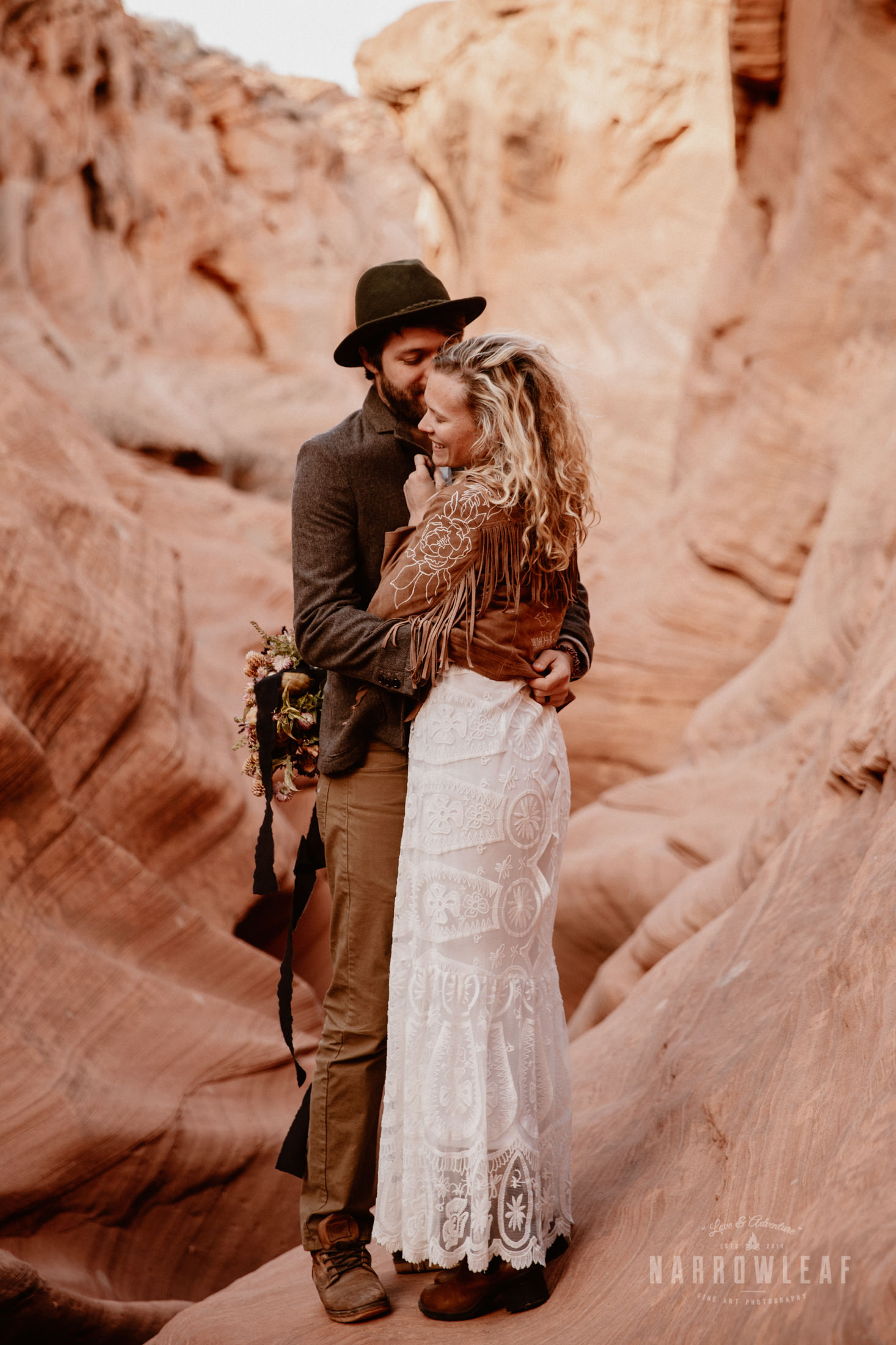 boho-adventure-elopement-photography-in-Page-Arizona.jpg