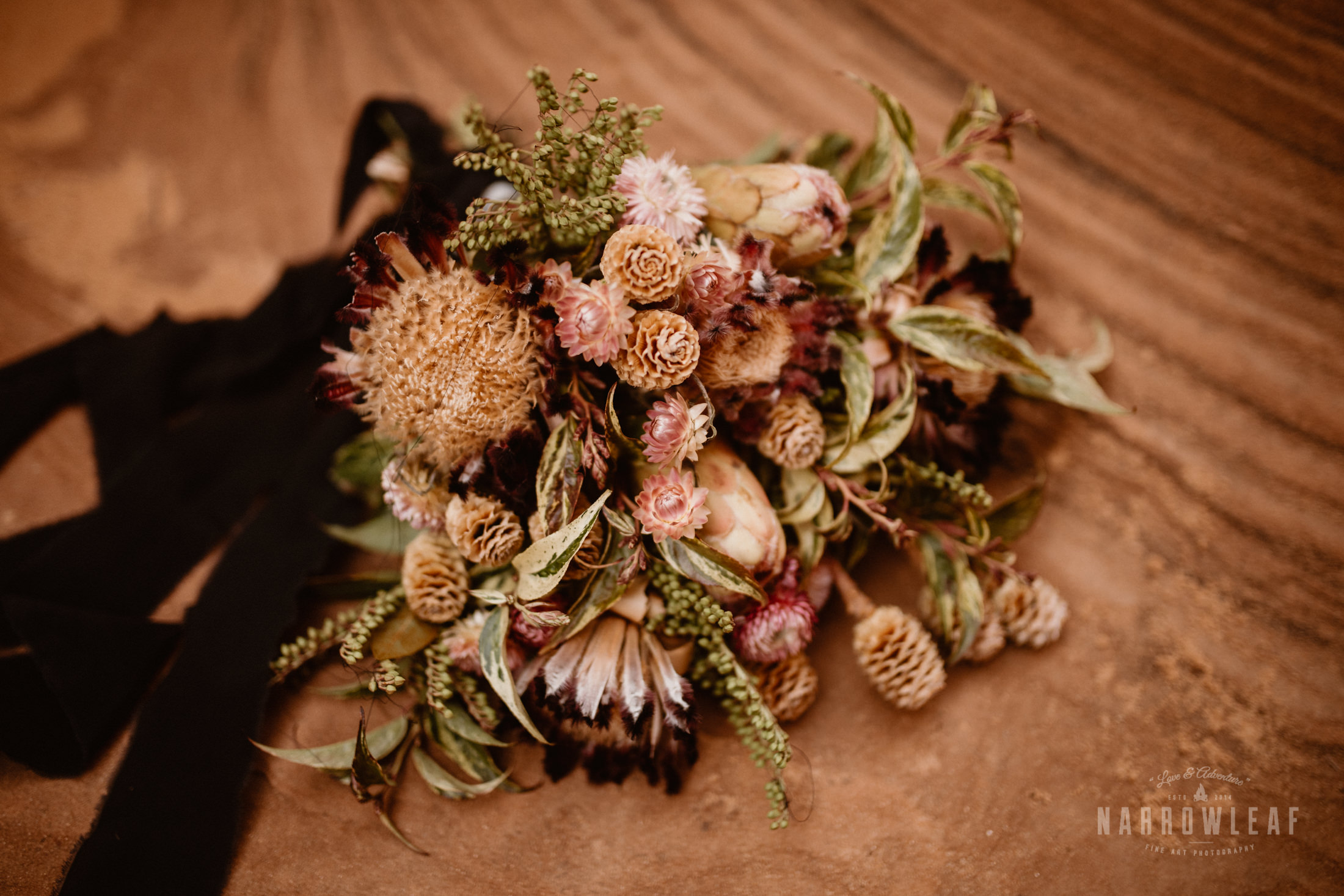 wild-flower-bouquet-for-elopement.jpg