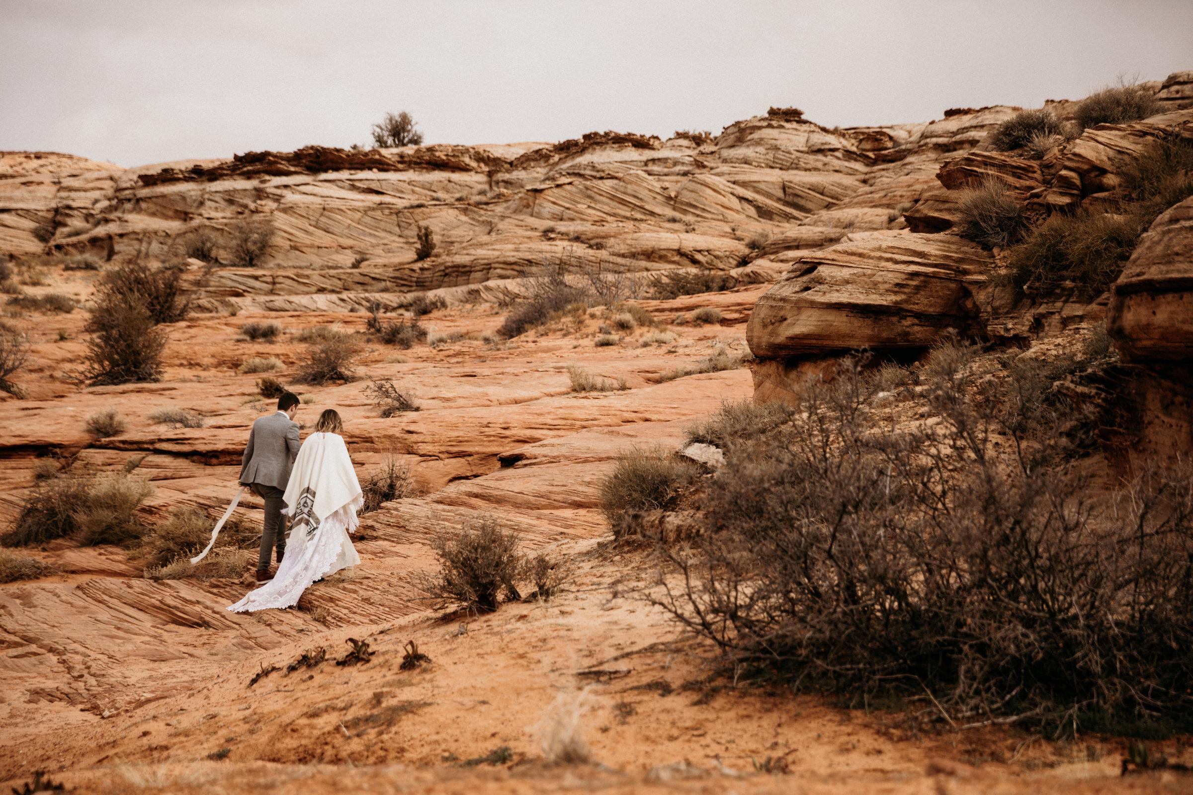 arizona-adventure-elopement-wedding-in-desert