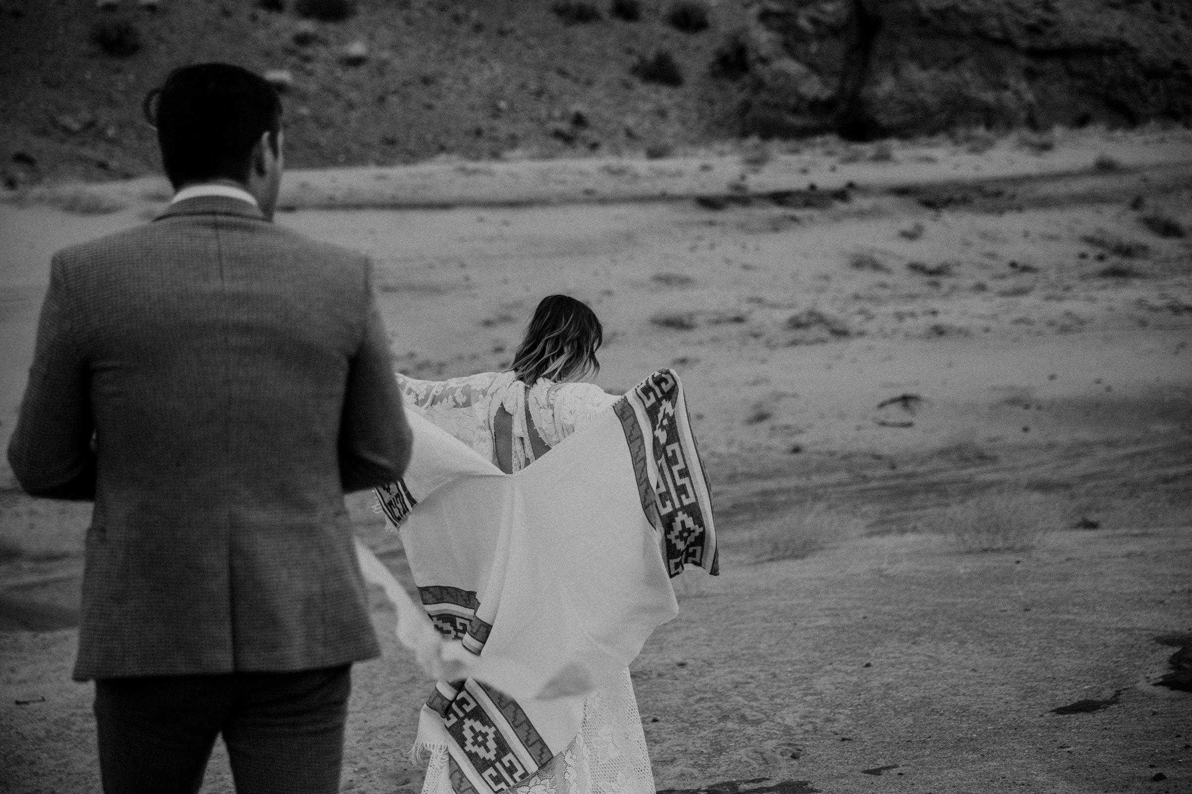 artistic-adventure-elopement-in-arizona.jpg