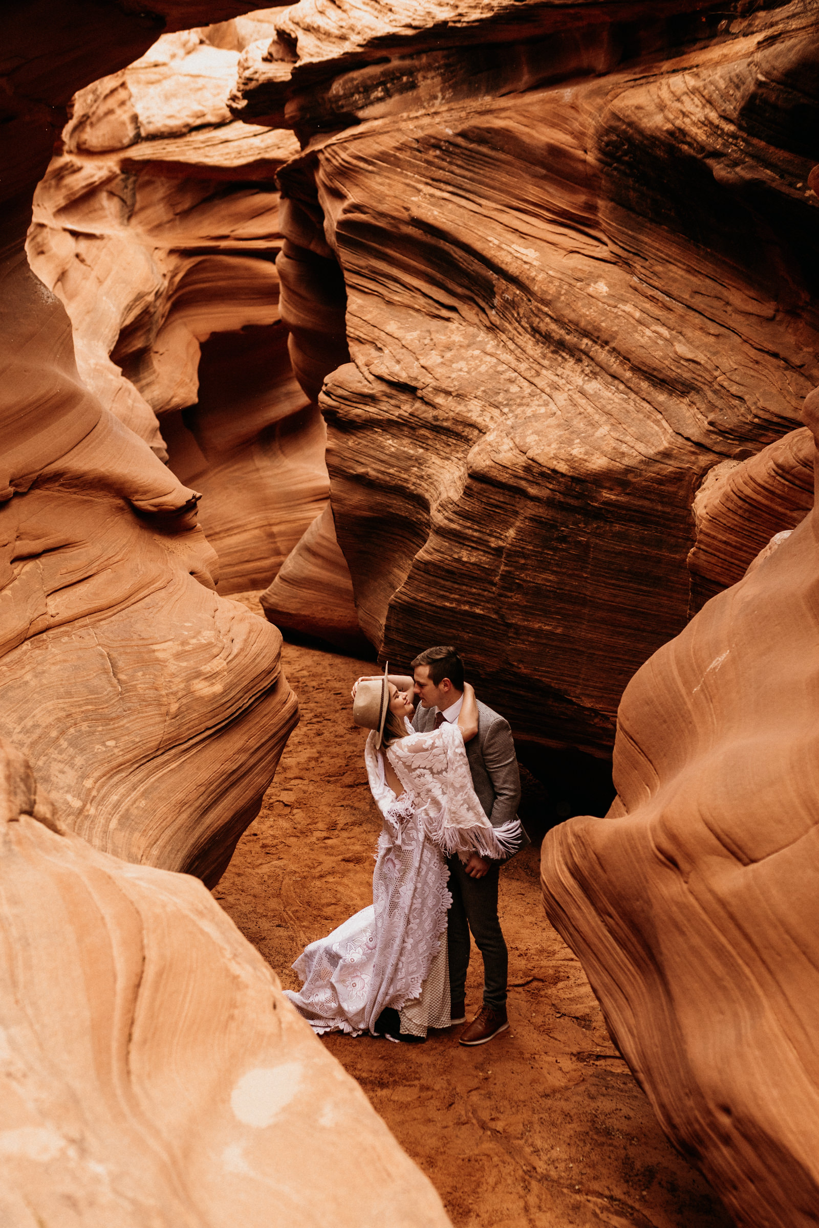 page-arizona-adventure-elopement-in-slot-canyon.jpg