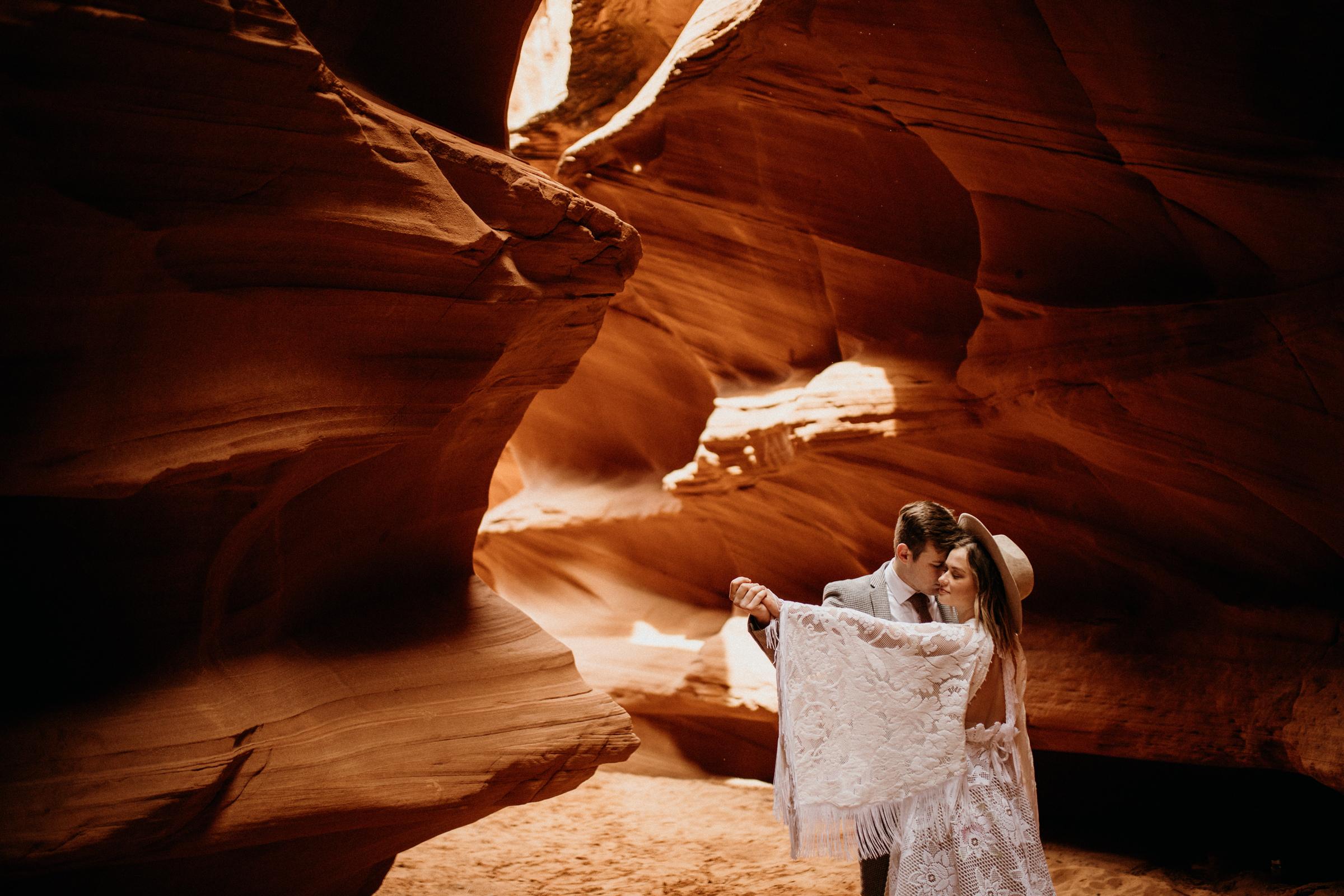 wedding-adventure-in-an-arizona-canyon.jpg