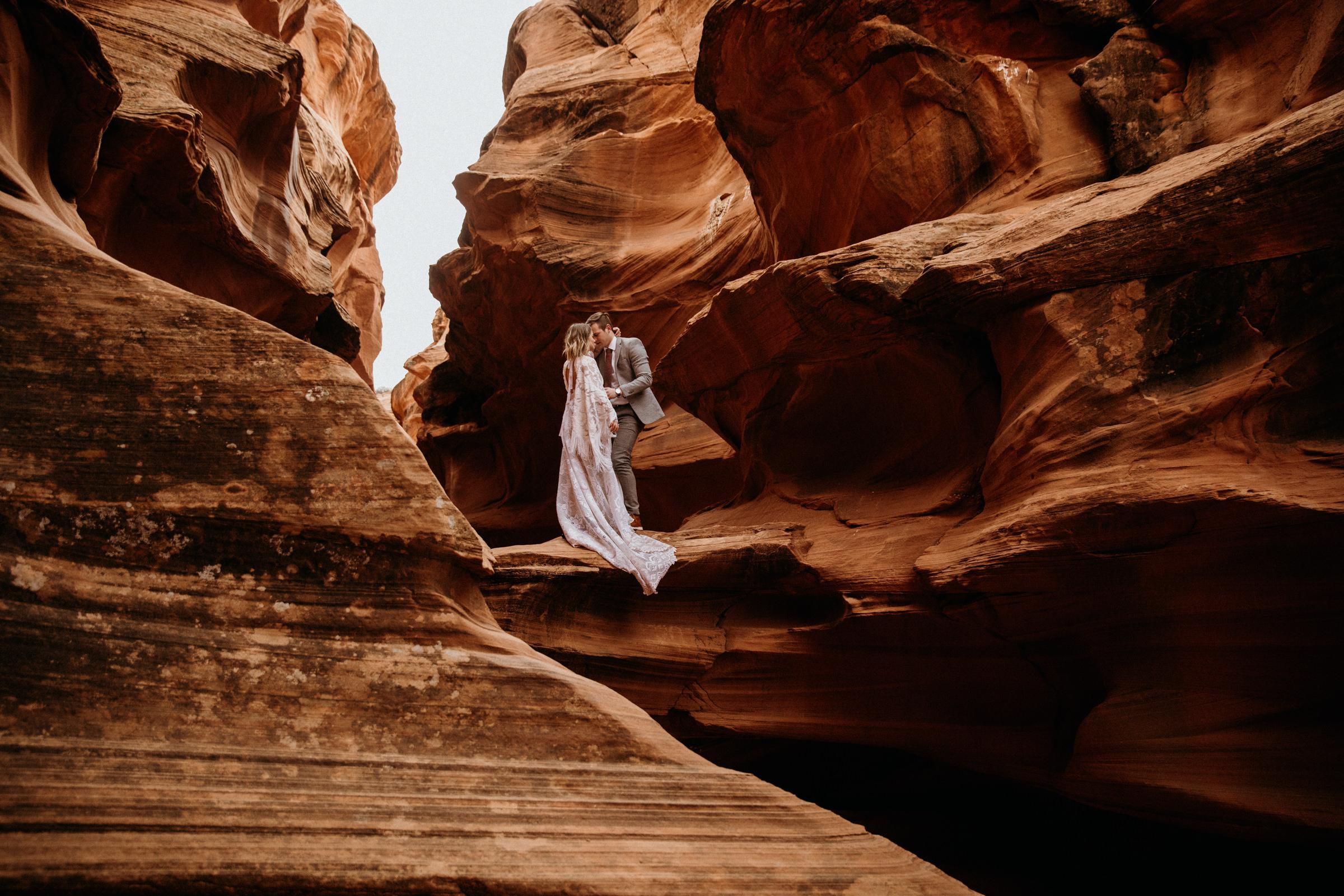 adventurous-elopement-photography-in-arizona-desert.jpg