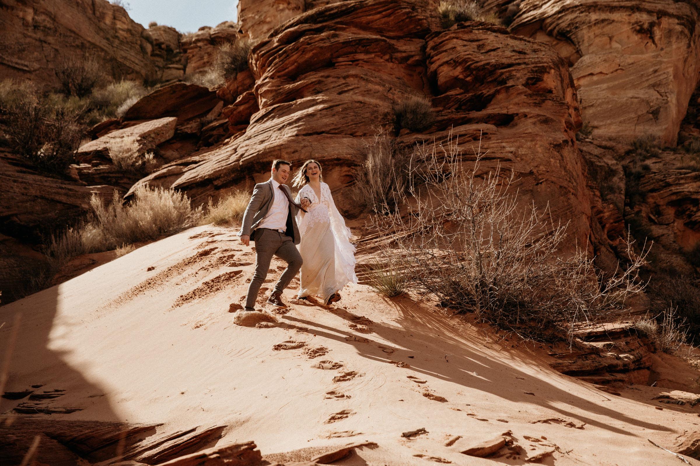 adventurous-wedding-photographer-in-the-desert.jpg