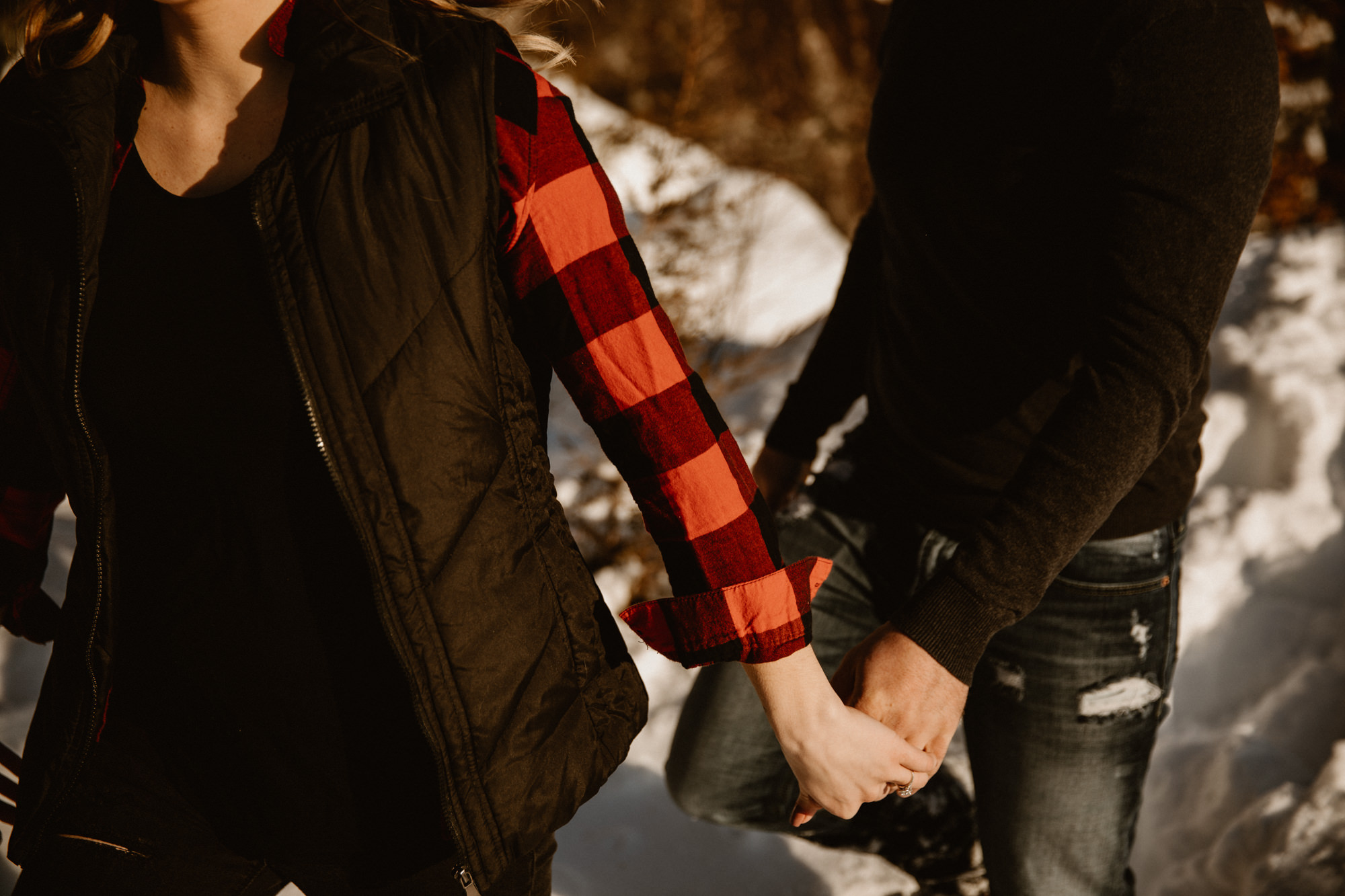 couple-hiking-minnesota-state-parks-holding-hands.jpg