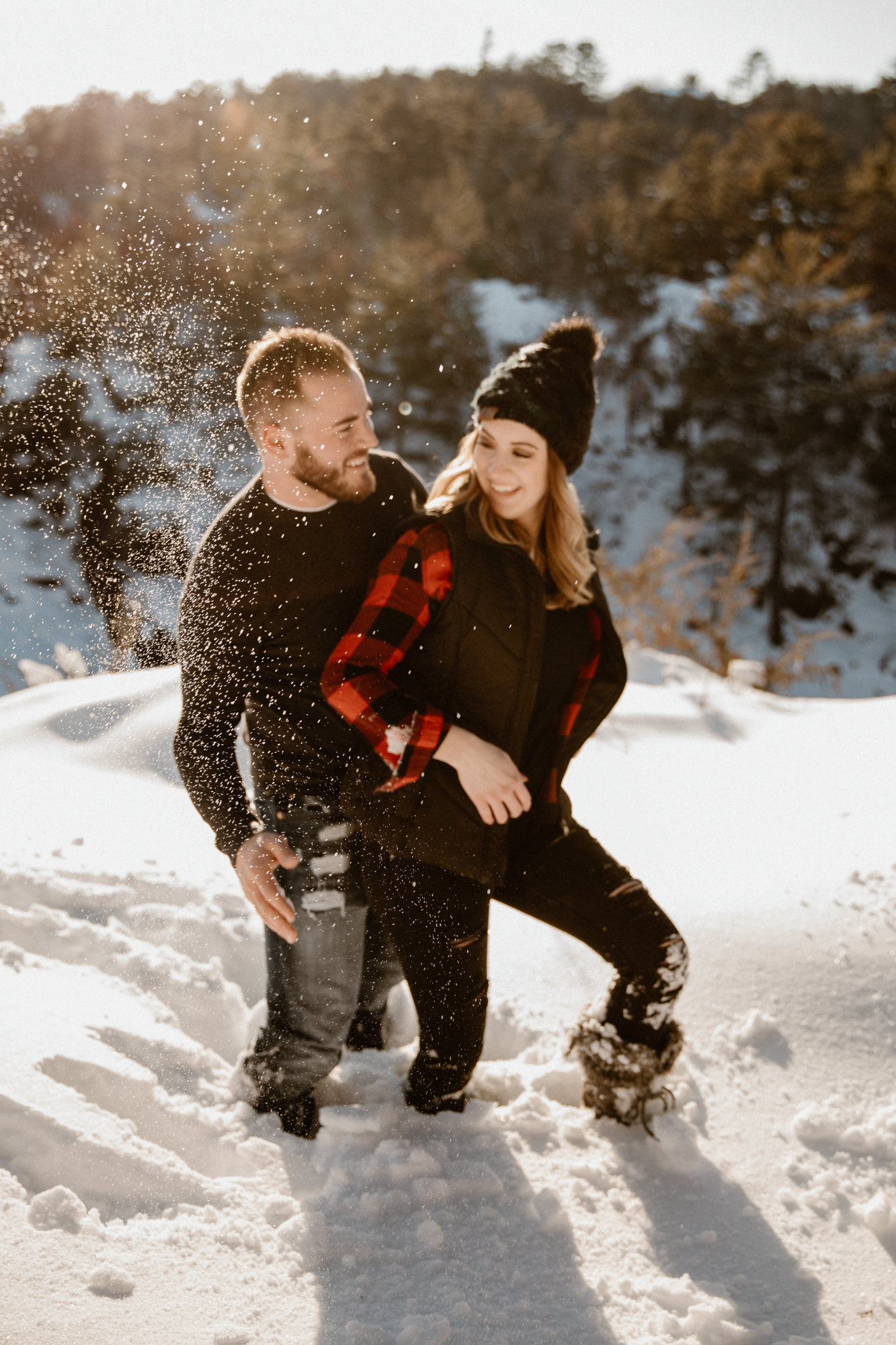 engagement-photos-in-the-snow.jpg