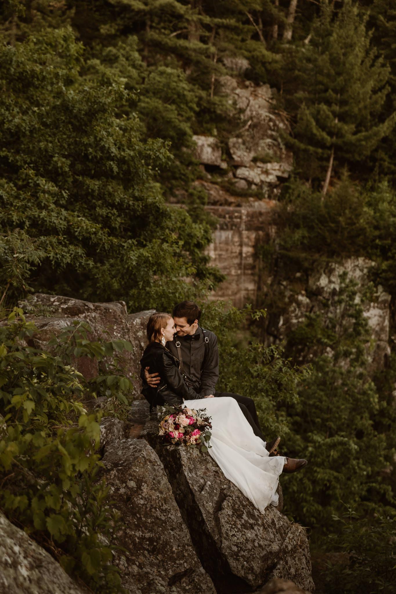 wisconsin-elopement-photographer-state-park.jpg