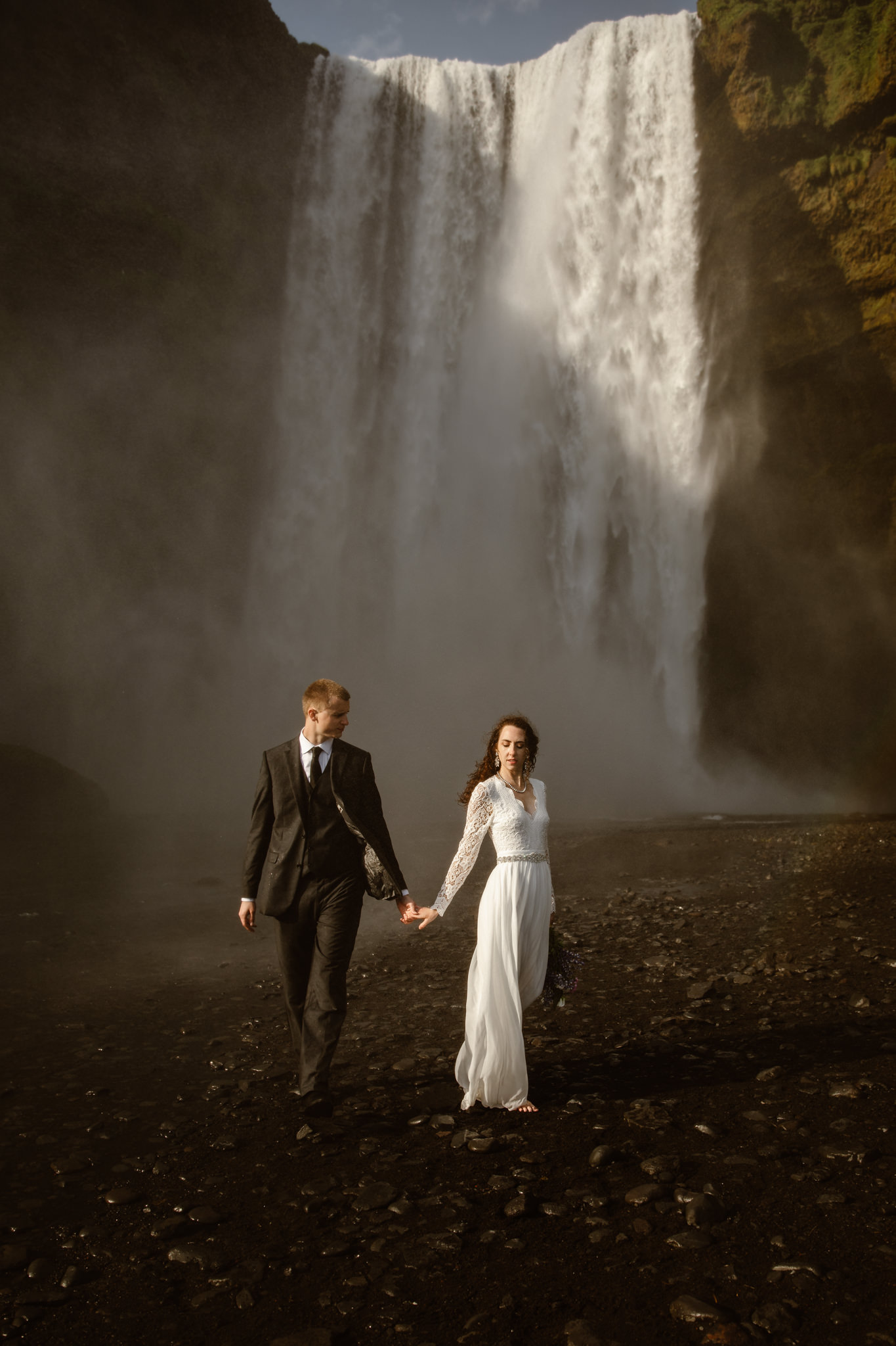 Page Arizona elopement inspiration | Arizona adventure elopement photographer