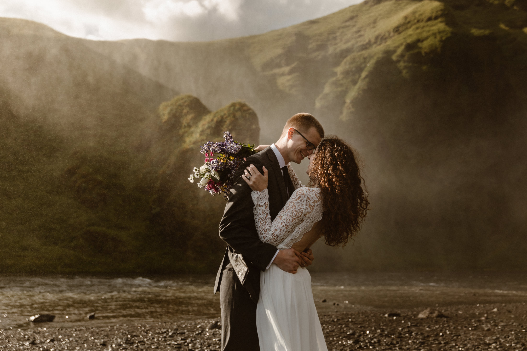 elopement-photos-at-skogafoss-waterfall-in-iceland-narrowleaf-adventure-photography-4728.JPG
