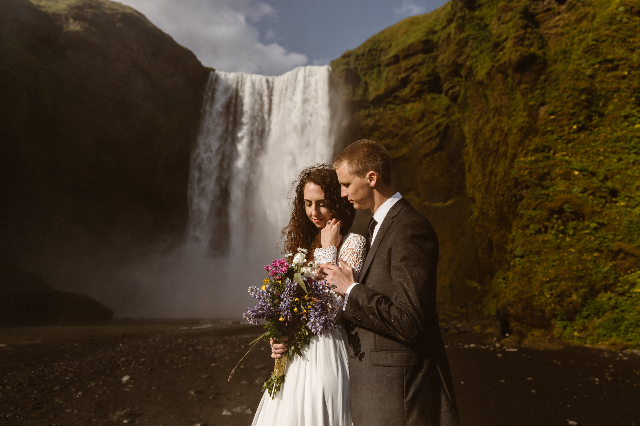 moody-elopement-photos-at-skogafoss-waterfall-in-iceland-narrowleaf-photography-4970.JPG