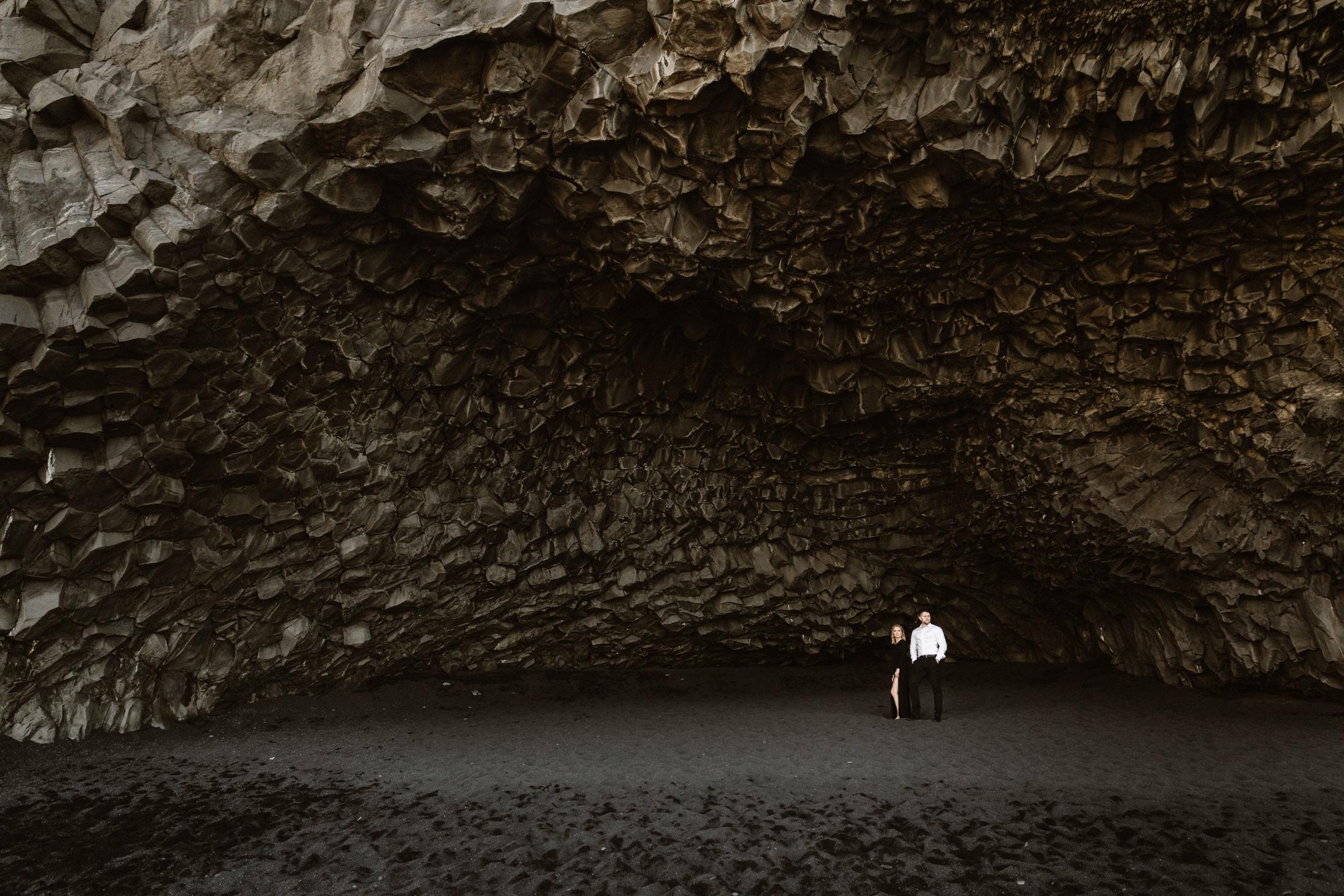Iceland-Reynisfjara-beach-elopement-photography.jpg