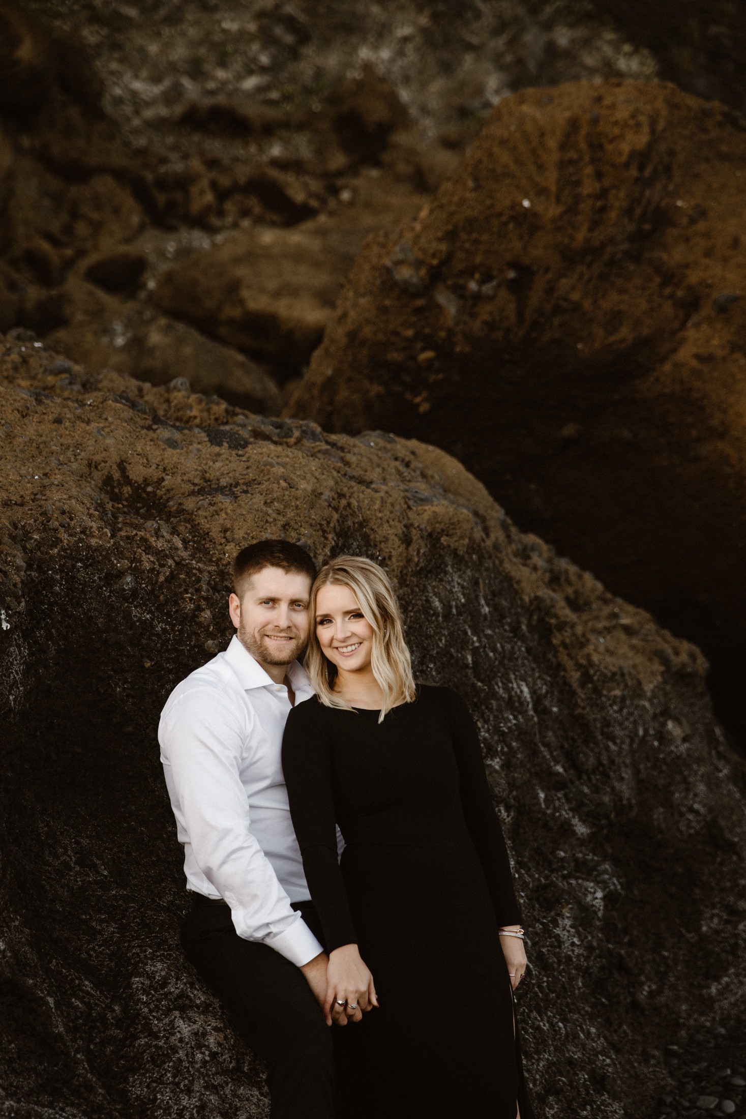 Iceland-black-beach-elopement-photography-17.jpg
