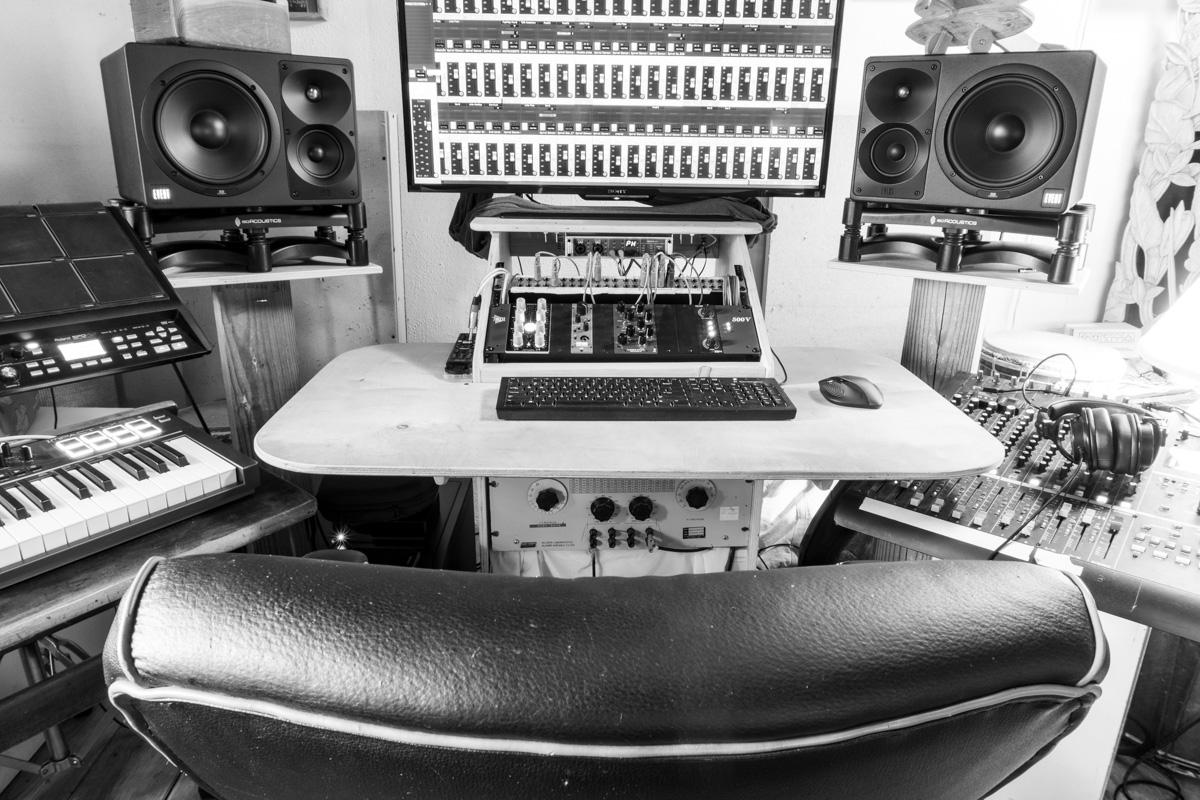 sherpa sound 3 bw web.jpg