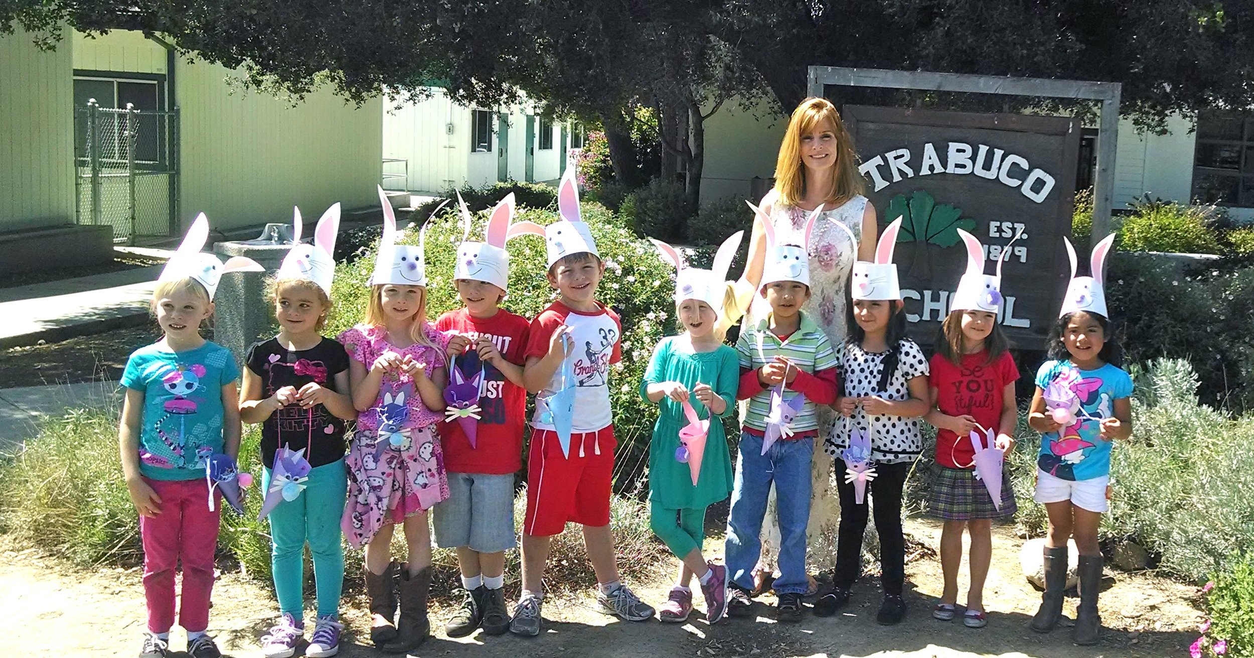 Easter whole group with Ms. Tinsley.jpg
