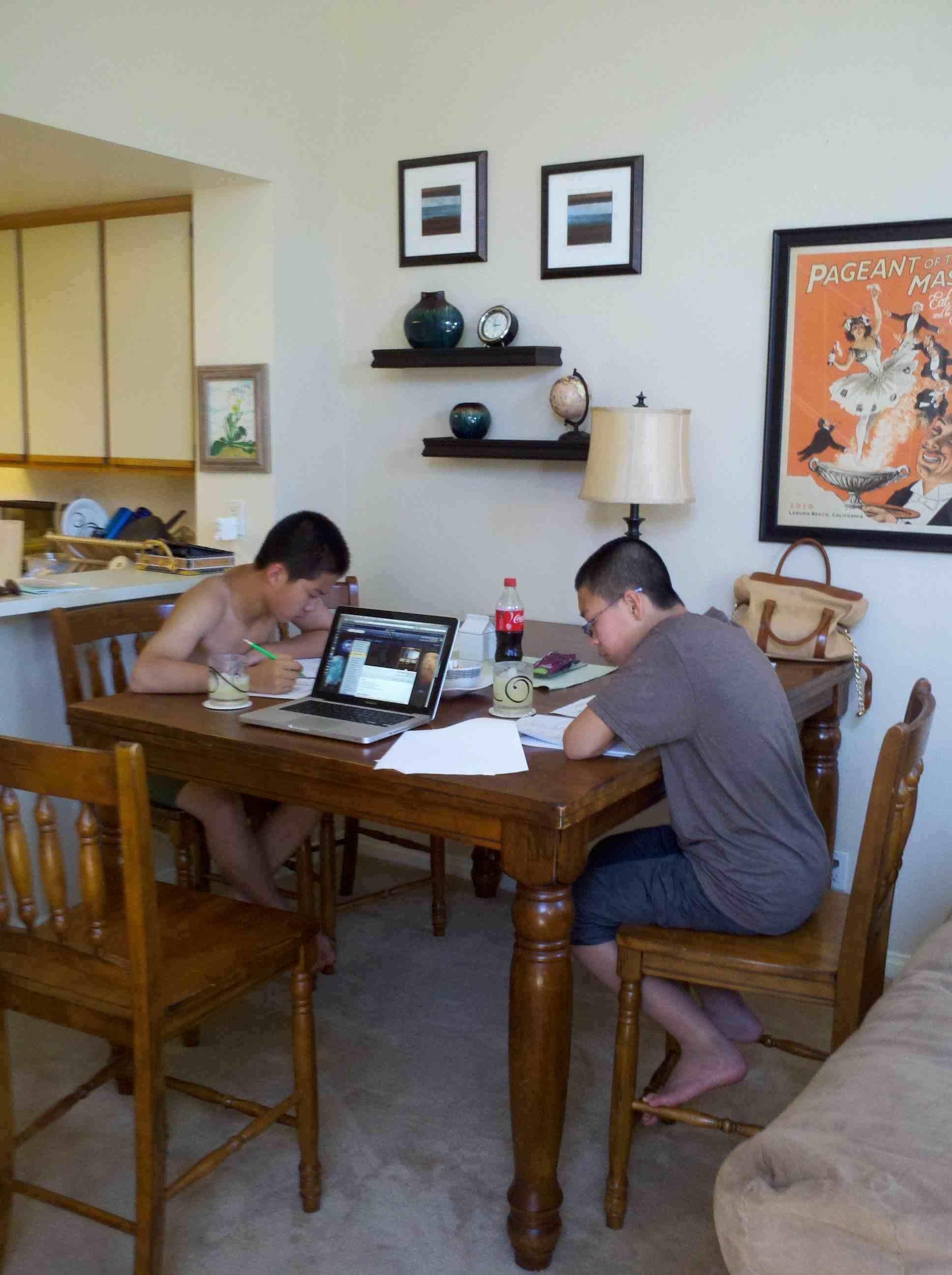 Exchange students Studying 2.jpg