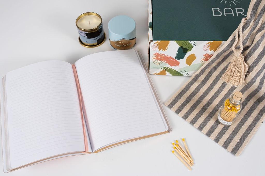 petal+bar+houston+preserved+rose+gift+box.jpg