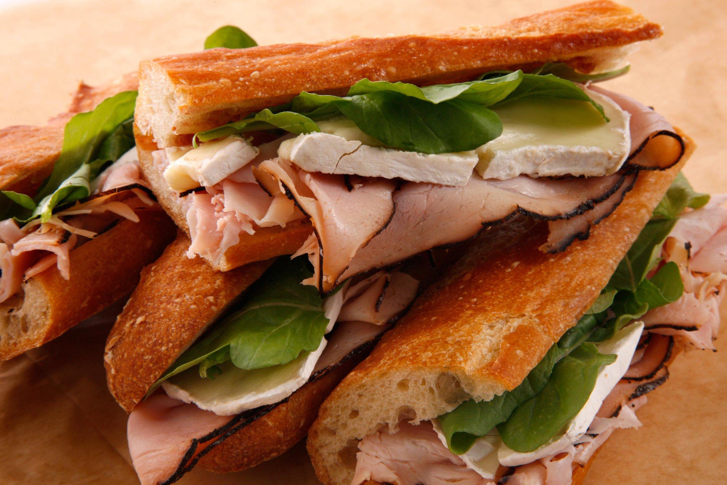 29675_ham_camembert_sandwich2.jpg
